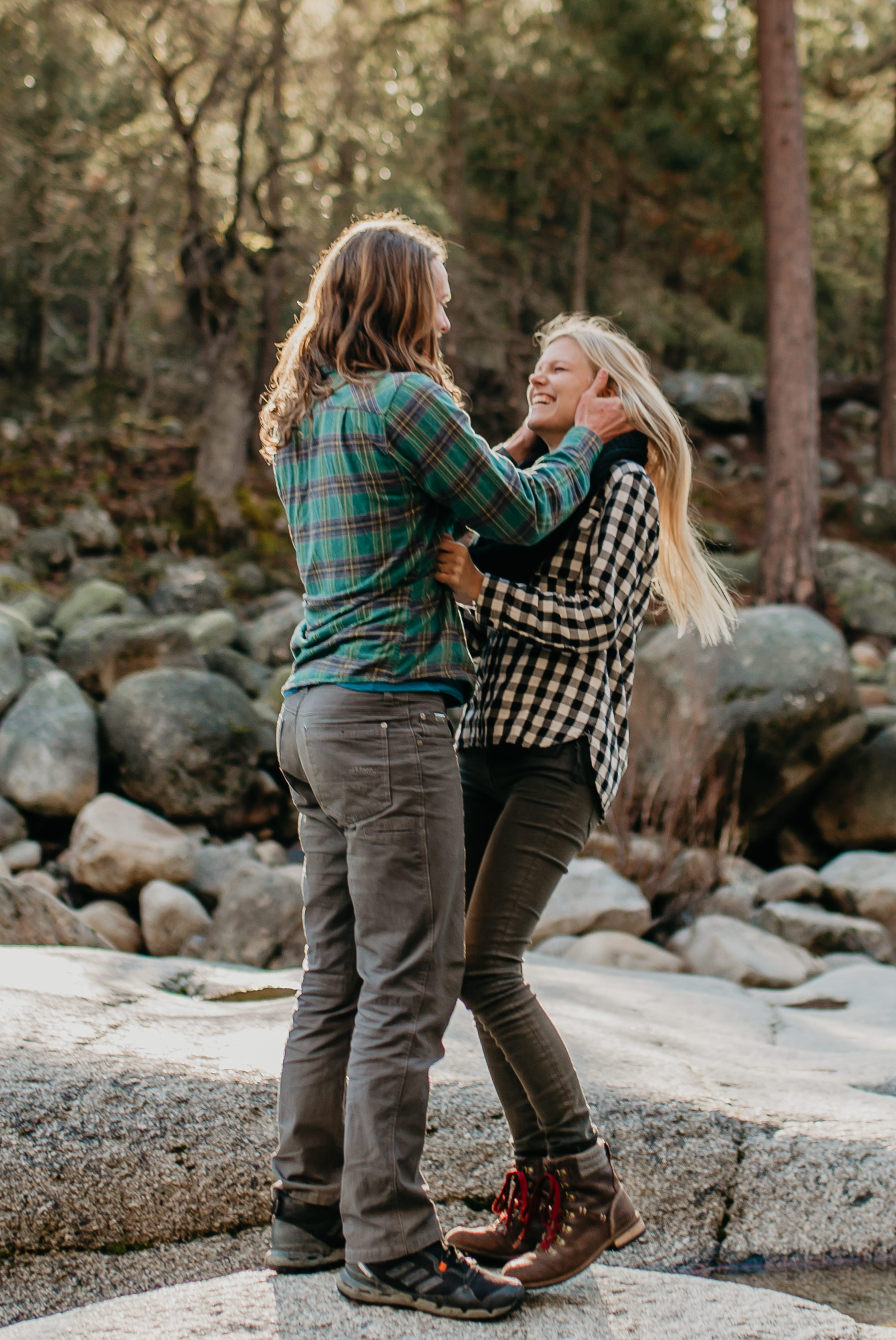 nicole-daacke-photography-yosemite-riverside-adventurous-engagement-photos-in-yosemite-national-park-elopement-photographer-weddings-travel-destination-wedding-eloping-elope-pine-forest-24.jpg