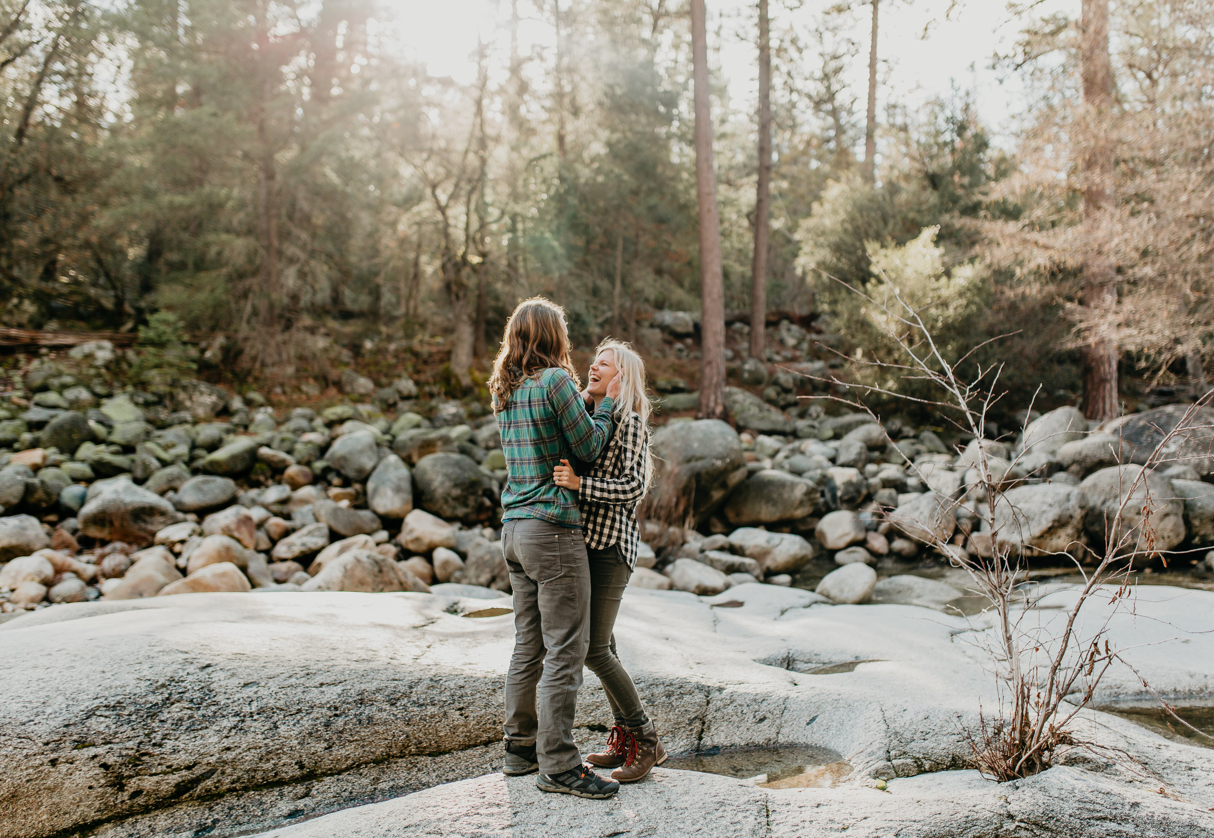 nicole-daacke-photography-yosemite-riverside-adventurous-engagement-photos-in-yosemite-national-park-elopement-photographer-weddings-travel-destination-wedding-eloping-elope-pine-forest-25.jpg