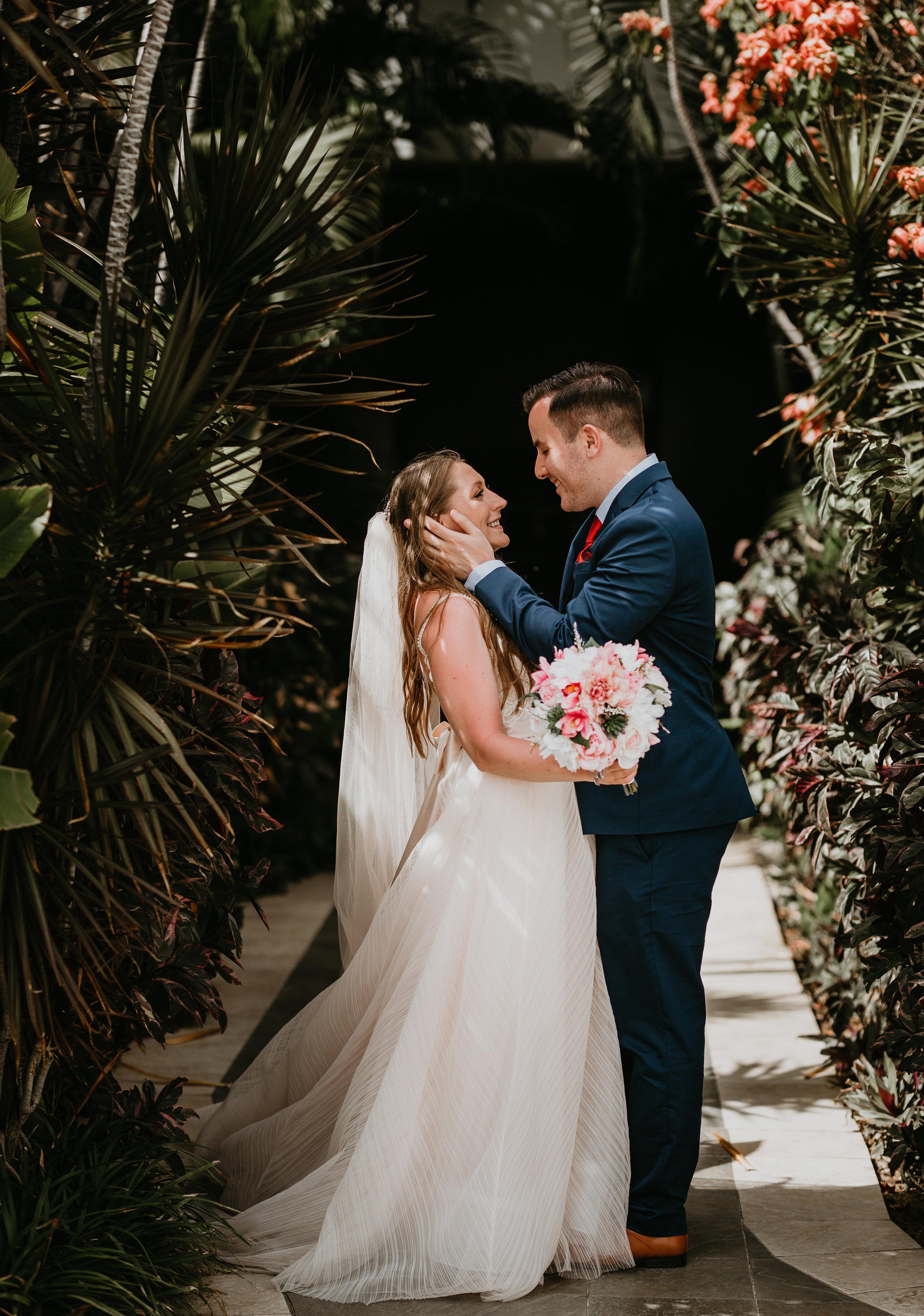 nicole-daacke-photography-destination-wedding-in-st-lucia-sandals-la-toc-intimate-island-wedding-carribean-elopement-photographer-chill-island-wedding-41.jpg