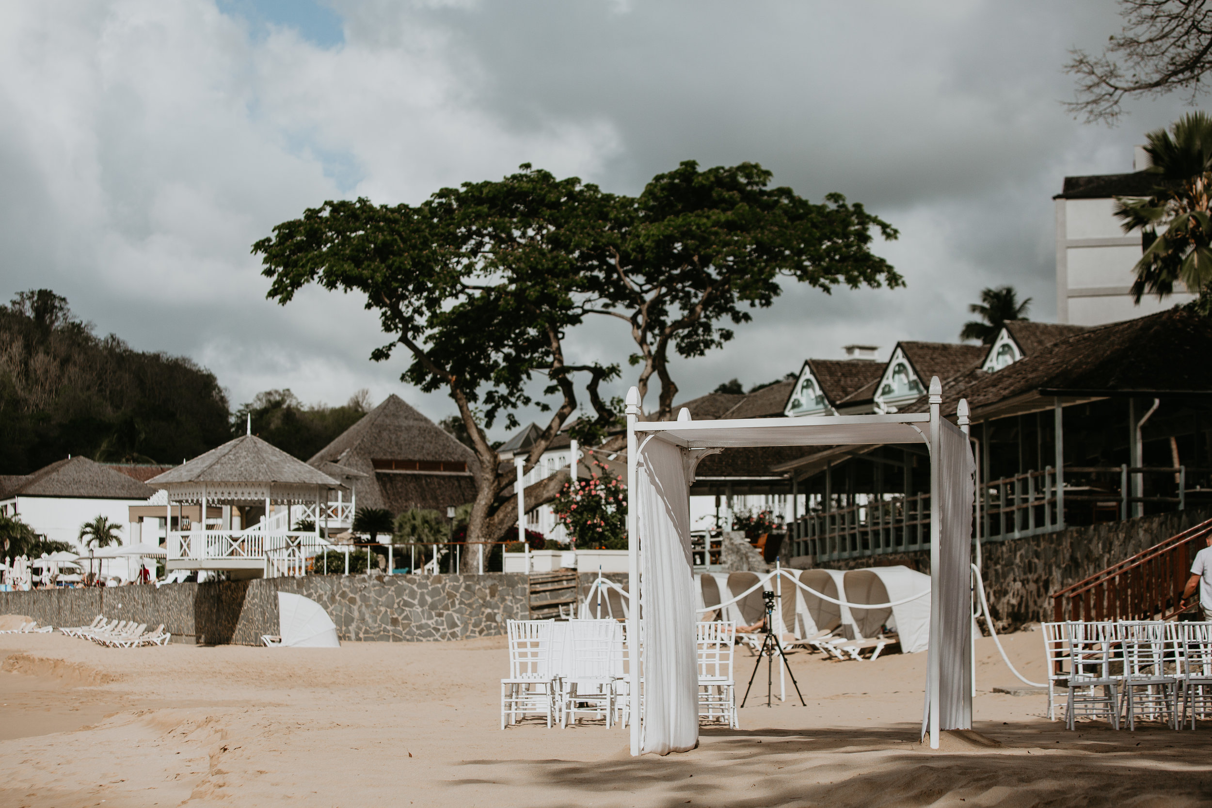 nicole-daacke-photography-destination-wedding-in-st-lucia-sandals-la-toc-intimate-island-wedding-carribean-elopement-photographer-chill-island-wedding-47.jpg