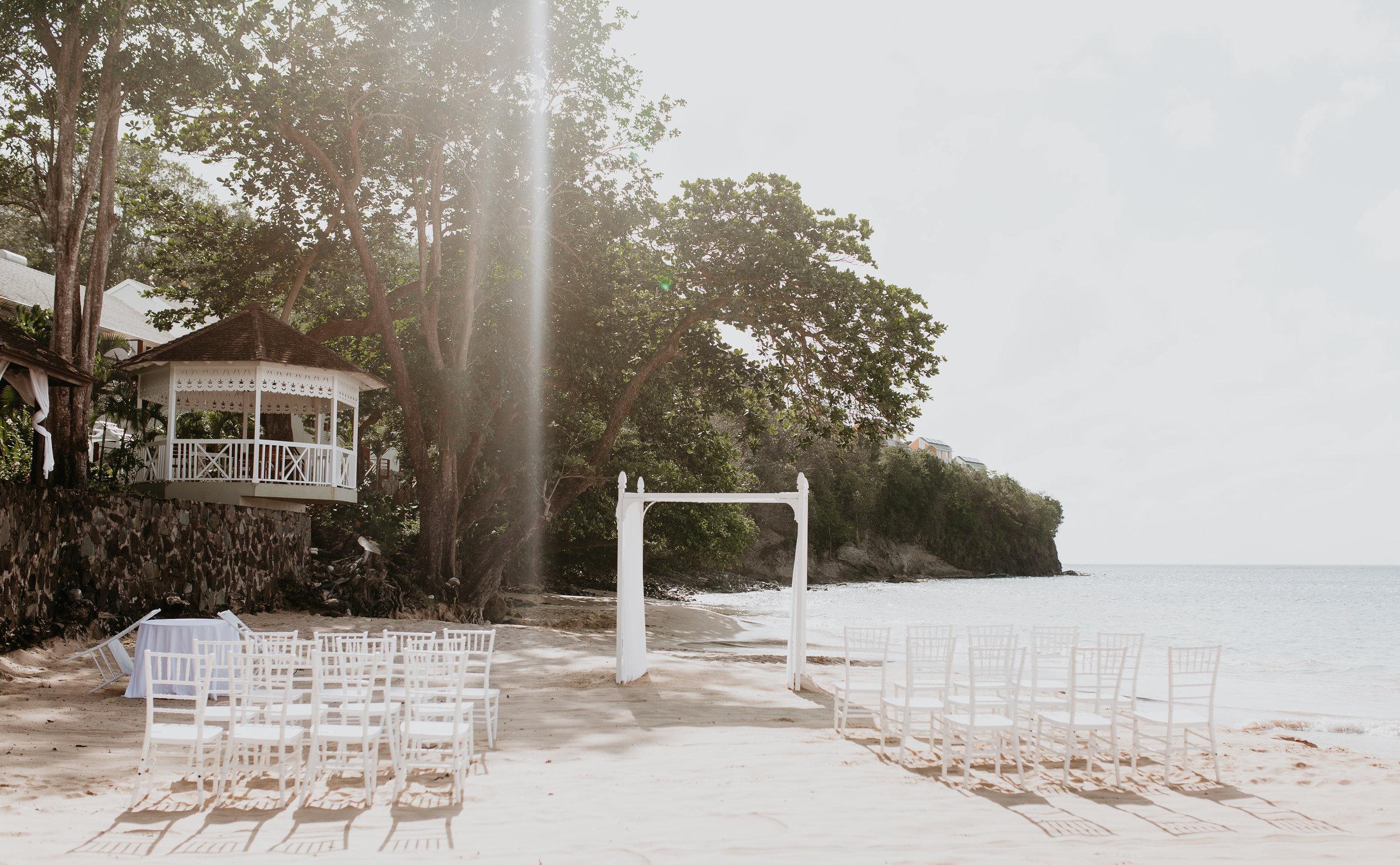 nicole-daacke-photography-destination-wedding-in-st-lucia-sandals-la-toc-intimate-island-wedding-carribean-elopement-photographer-chill-island-wedding-46.jpg