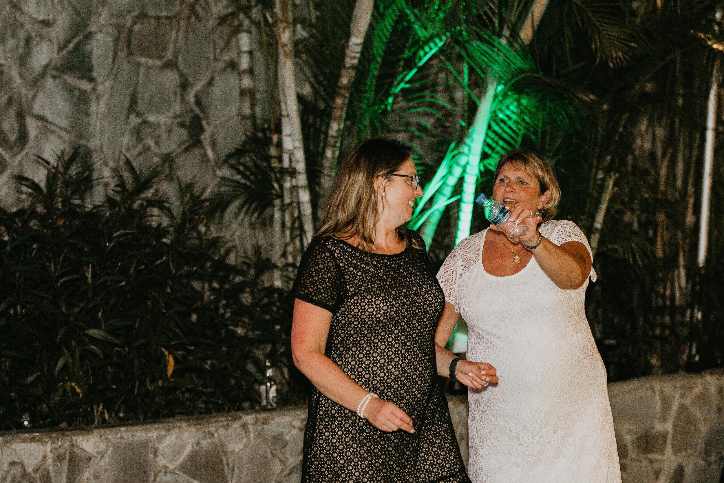 nicole-daacke-photography-destination-wedding-in-st-lucia-sandals-la-toc-intimate-island-wedding-carribean-elopement-photographer-chill-island-wedding-165.jpg