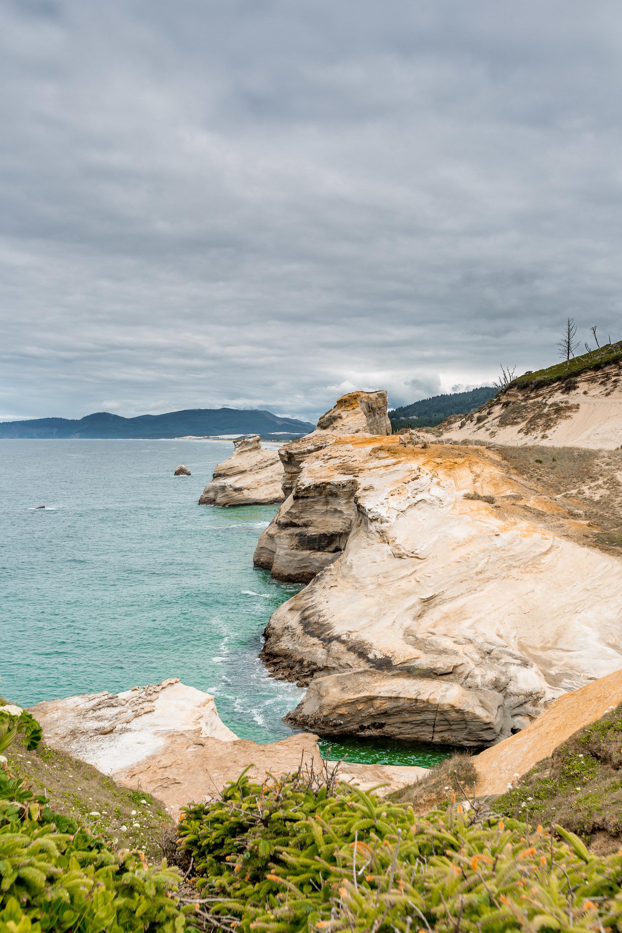 nicole-daacke-photography-oregon-coast-landscapes-elopement-photographer-wedding-photography-adventure-lifestyle-roadtrip-along-oregon-coast-cape-kiwanda-oceanside-beach-cannon-beach-oregon-pnw-5.jpg