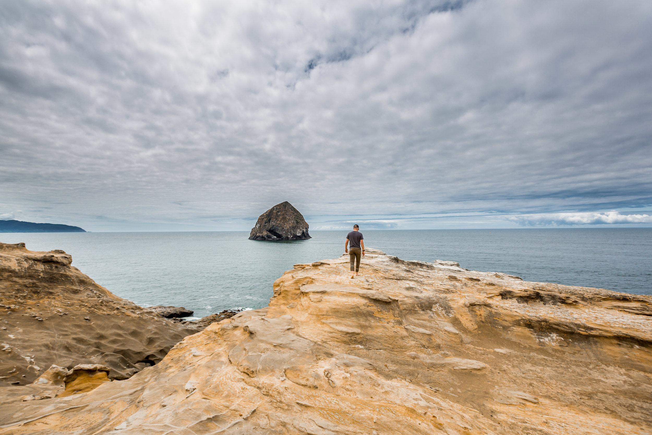 nicole-daacke-photography-oregon-coast-landscapes-elopement-photographer-wedding-photography-adventure-lifestyle-roadtrip-along-oregon-coast-cape-kiwanda-oceanside-beach-cannon-beach-oregon-pnw-9.jpg