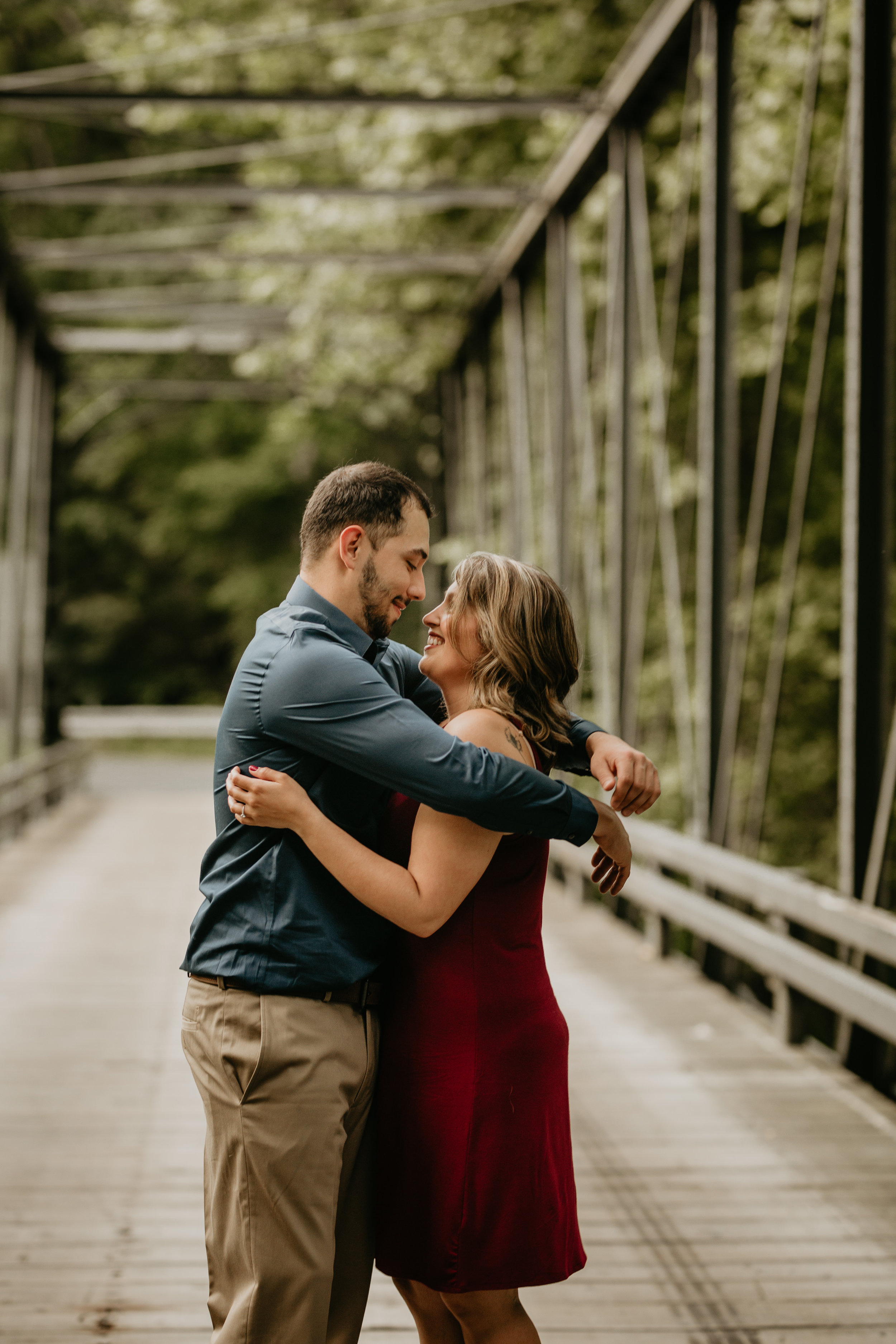 Nicole-Daacke-Photography-rock-state-park-overlook-king-queen-seat-maryland-hiking-adventure-engagement-session-photos-portraits-summer-bel-air-dog-engagement-session-8.jpg