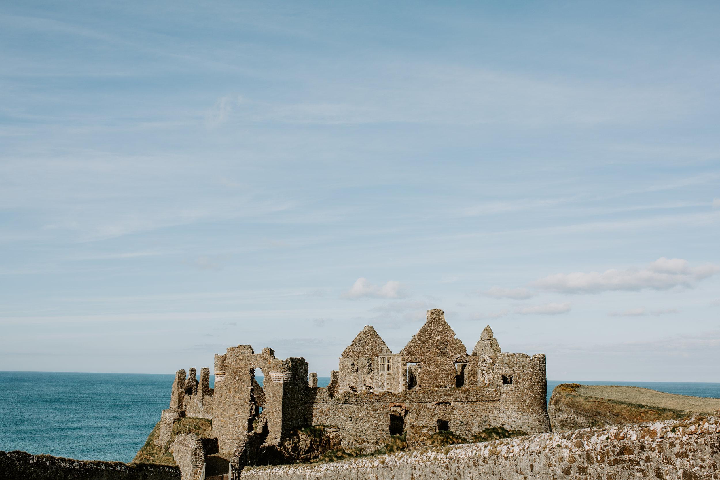 nicole-daacke-photography-ireland-destination-elopement-wedding-photographer-destination-wedding-irish-castle-wedding-intimate-ireland-wedding-photographer-ireland-elopement-photographer-dublin-howth-belfast-antrim-destination-wedding-photos-44.jpg