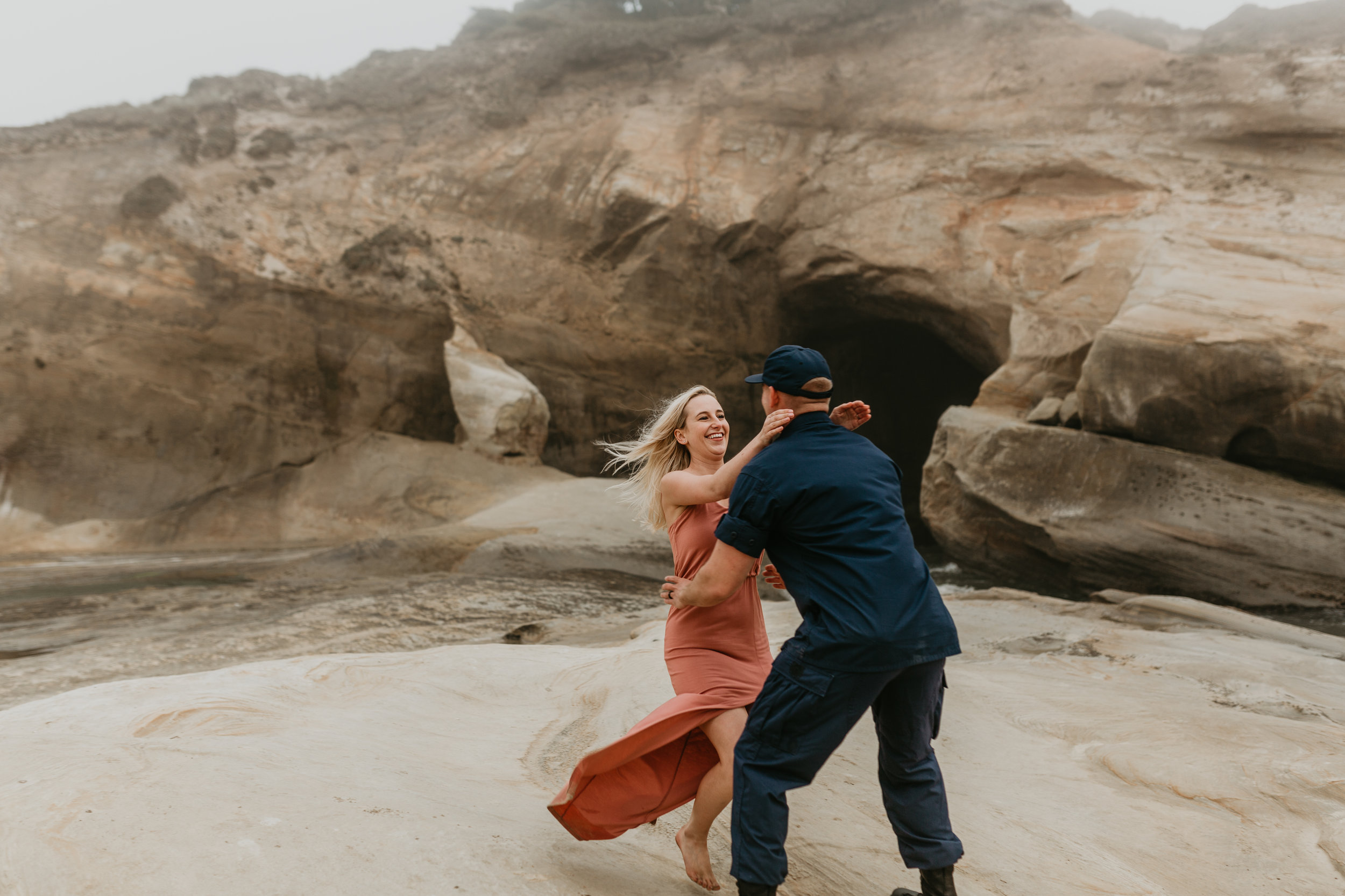 Nicole-daacke-photography-cape-kiwanda-foggy-adventure-session-engagement-session-anniversary-photos-oregon-coast-pacific-city-oregon-elopement-photographer-22.jpg