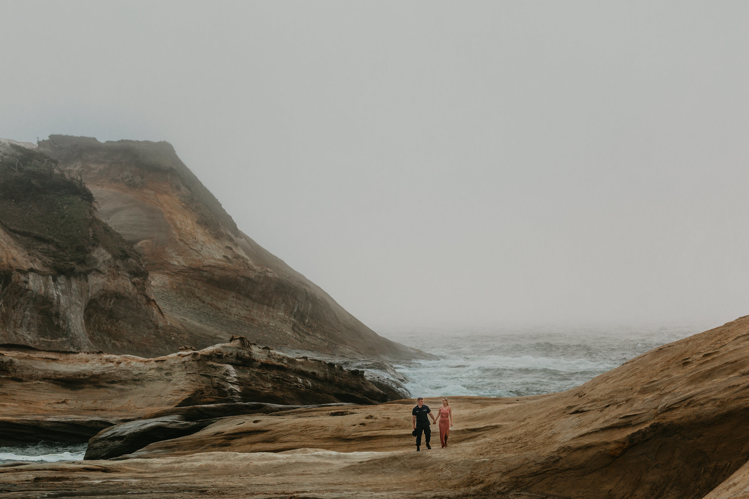 Nicole-daacke-photography-cape-kiwanda-foggy-adventure-session-engagement-session-anniversary-photos-oregon-coast-pacific-city-oregon-elopement-photographer-29.jpg