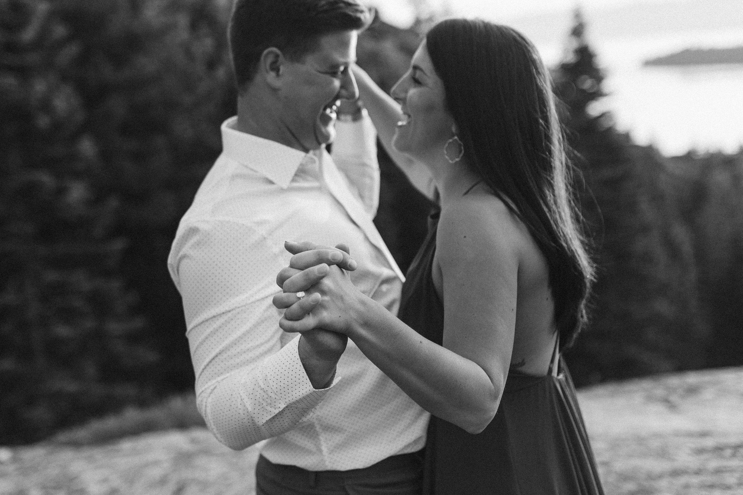 nicole-daacke-photography-lake-tahoe-sunrise-summer-adventure-engagement-photos-nevada-wedding-elopement-photographer-golden-emerald-bay-light-pine-trees-summer-vibe-fun-carefree-authentic-love-25.jpg