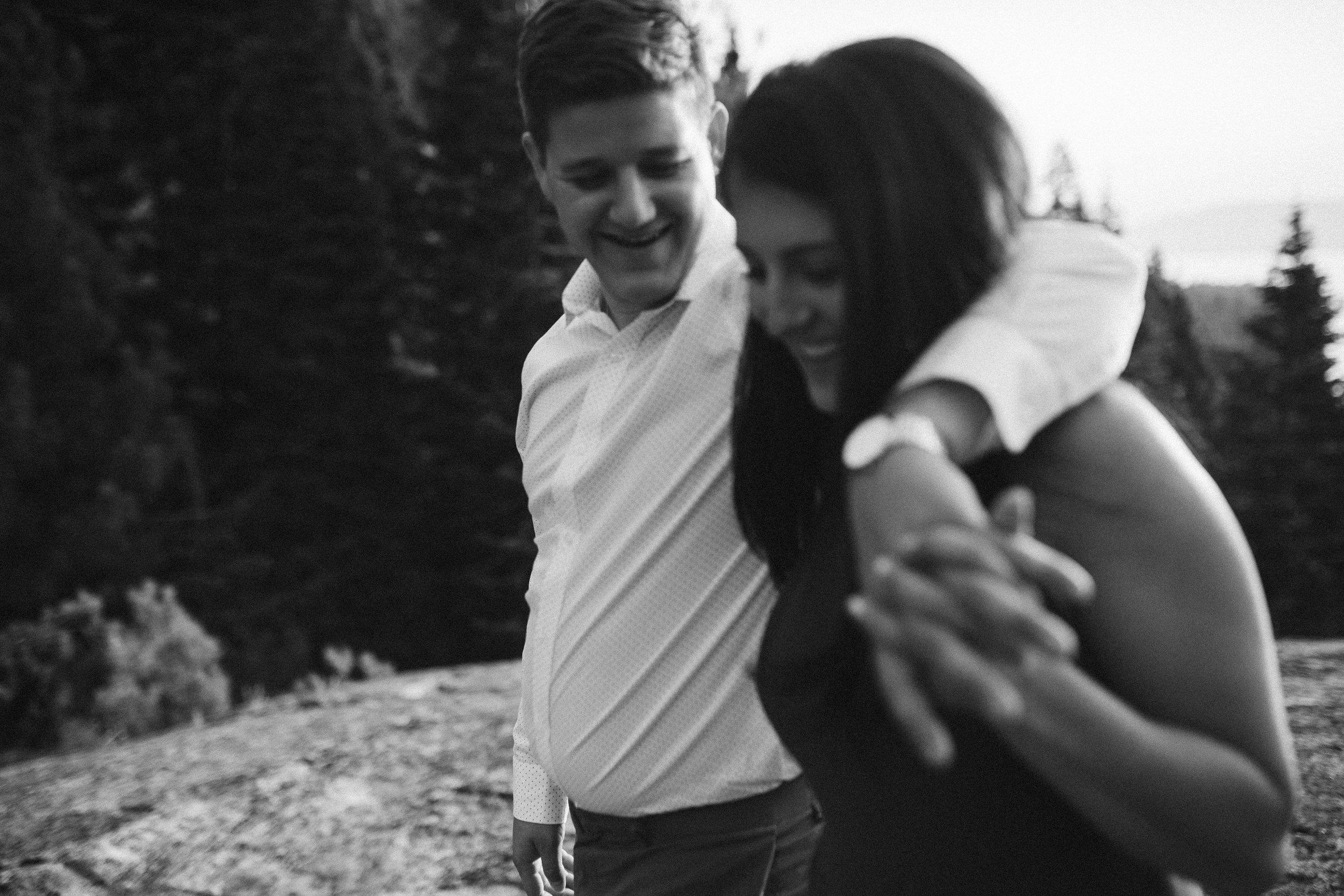 nicole-daacke-photography-lake-tahoe-sunrise-summer-adventure-engagement-photos-nevada-wedding-elopement-photographer-golden-emerald-bay-light-pine-trees-summer-vibe-fun-carefree-authentic-love-35.jpg