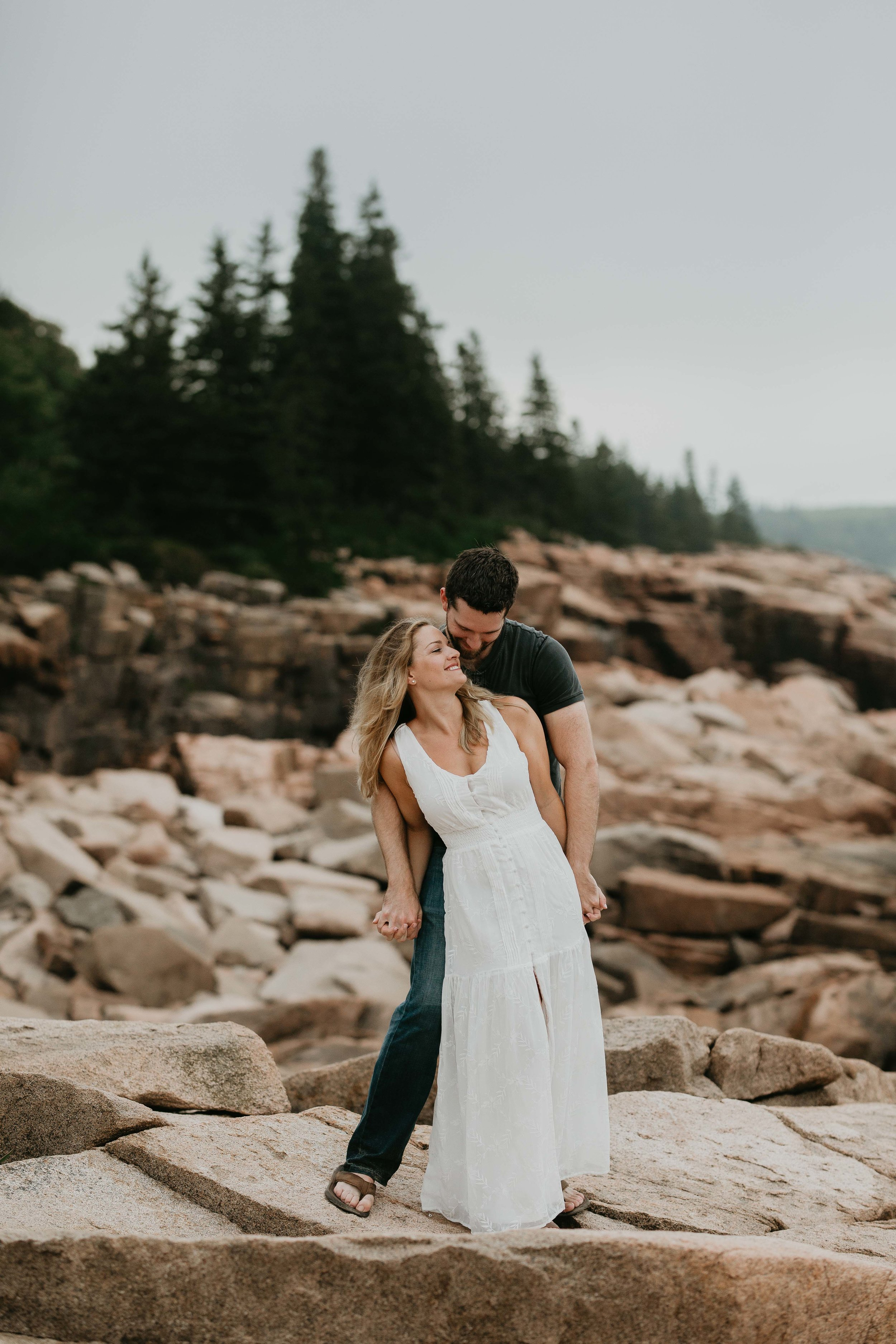 nicole-daacke-photography-acadia-national-park-adventurous-engagement-session-photos-otter-cliffs-forests-coastline-sand-beach-adventure-session-bar-harbor-mt-desert-island-elopement-fall-bass-harbor-lighthouse-wedding-maine-landscape-photographer-20.jpg