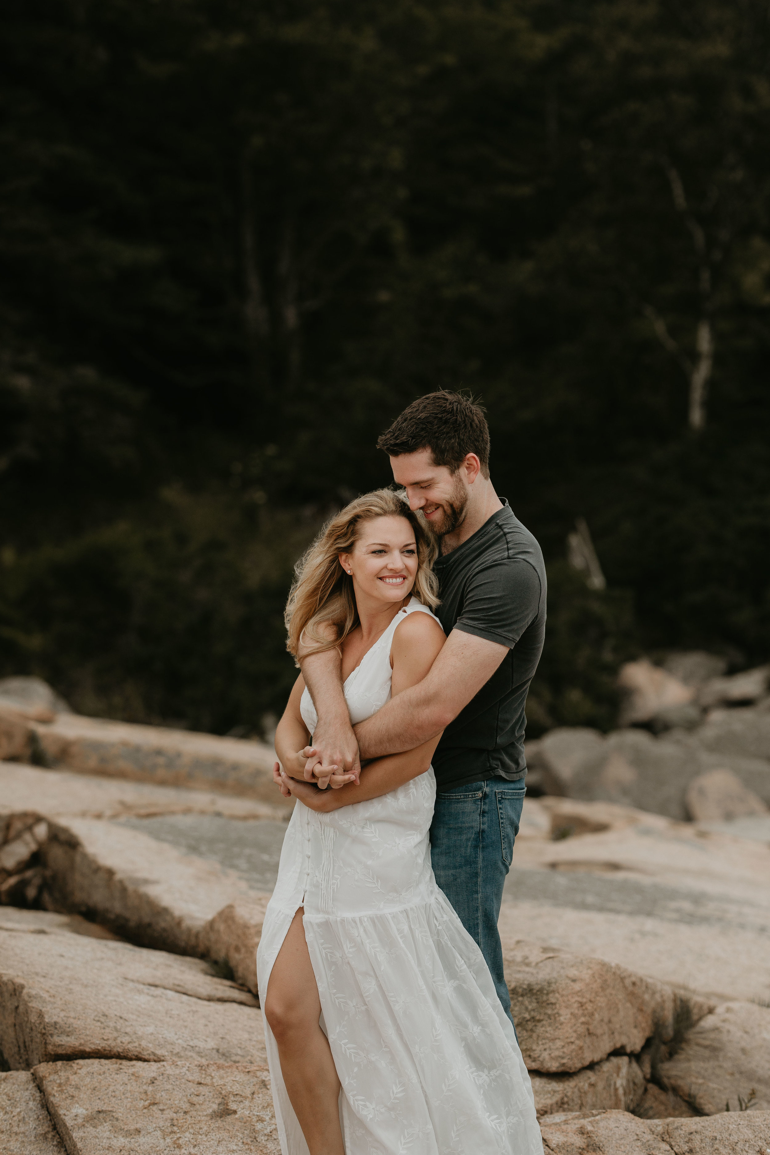nicole-daacke-photography-acadia-national-park-adventurous-engagement-session-photos-otter-cliffs-forests-coastline-sand-beach-adventure-session-bar-harbor-mt-desert-island-elopement-fall-bass-harbor-lighthouse-wedding-maine-landscape-photographer-25.jpg