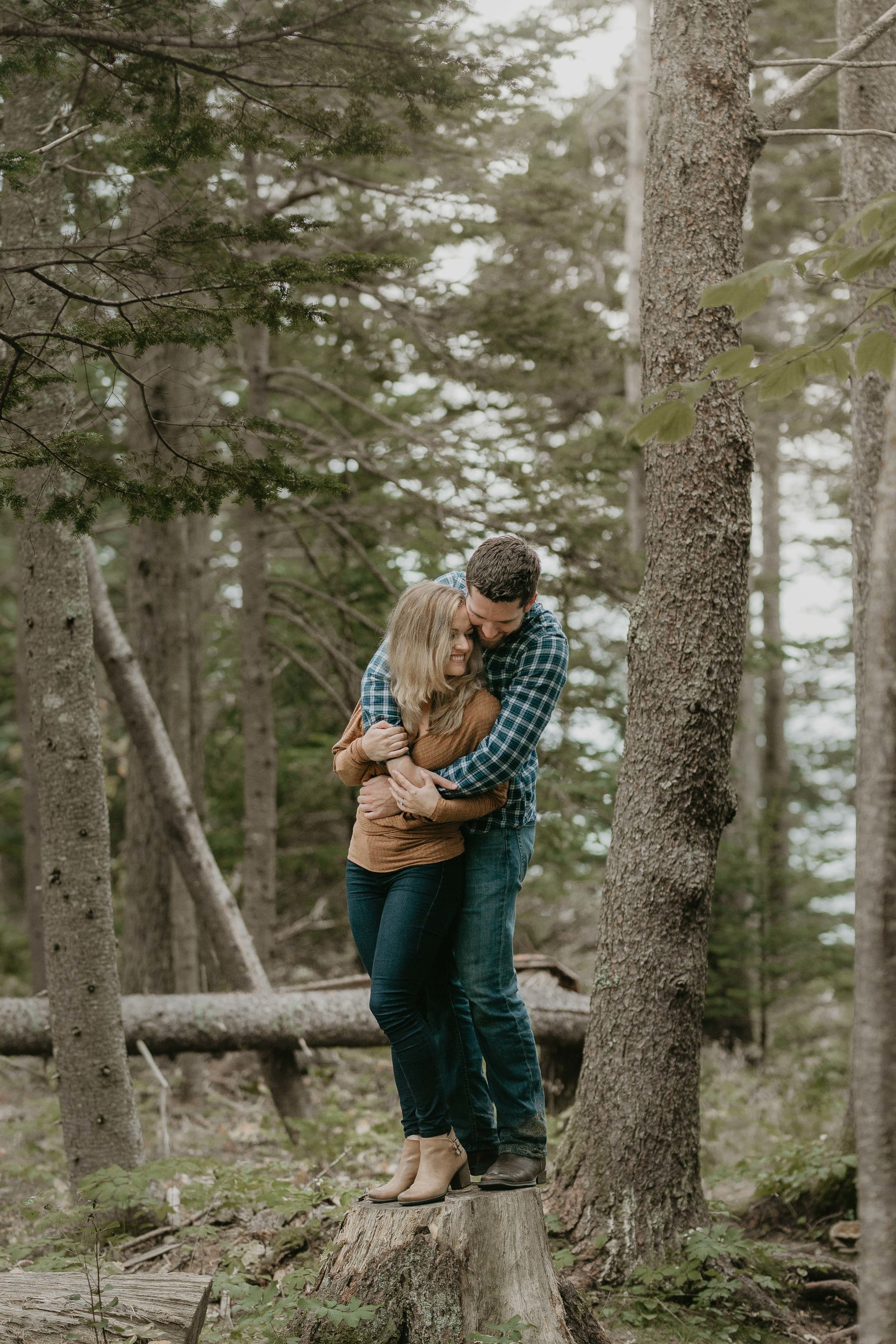 nicole-daacke-photography-acadia-national-park-adventurous-engagement-session-photos-otter-cliffs-forests-coastline-sand-beach-adventure-session-bar-harbor-mt-desert-island-elopement-fall-bass-harbor-lighthouse-wedding-maine-landscape-photographer-38.jpg