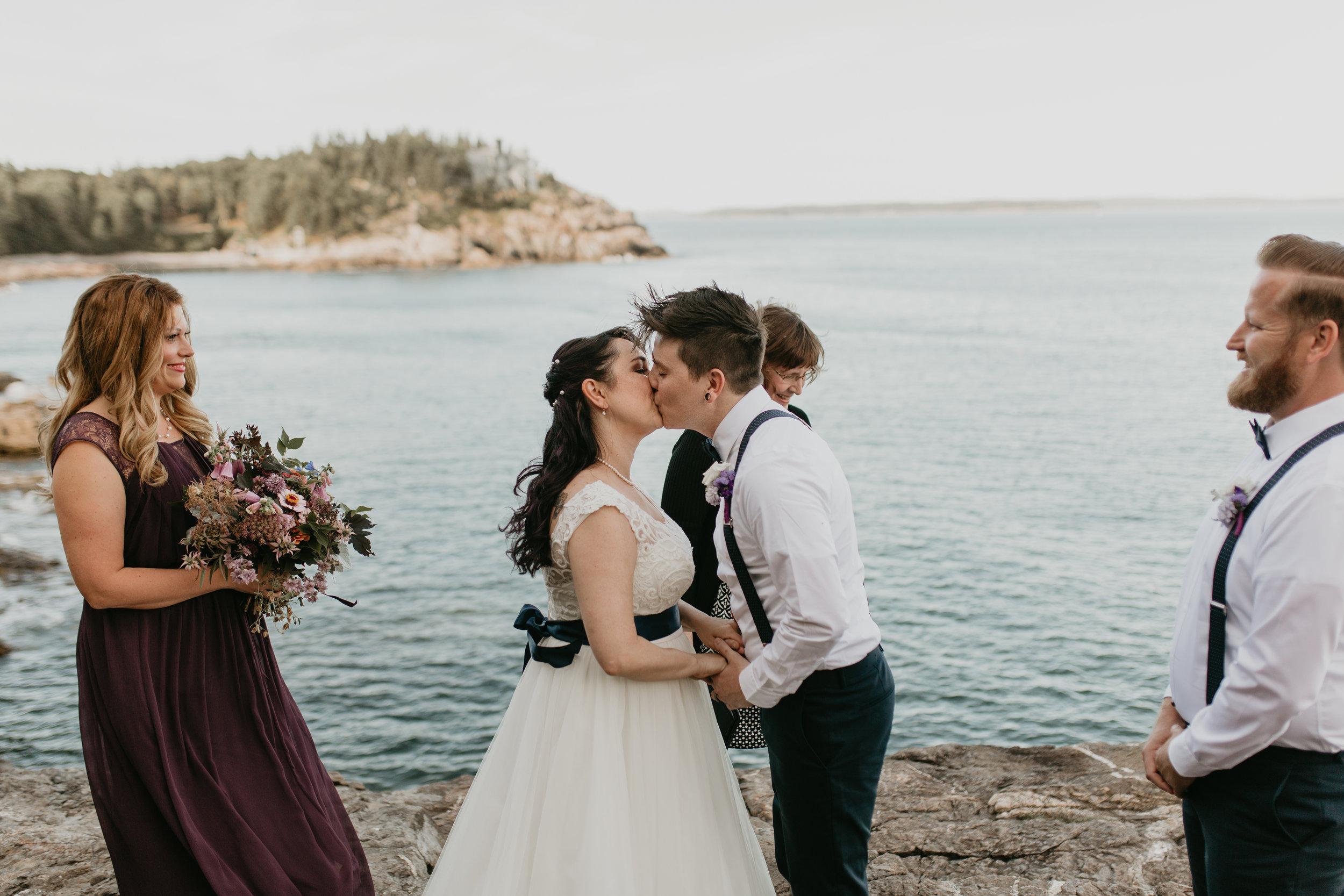 nicole-daacke-photography-Elopement-rocky-shoreline-coast-Acadia-National-Park-elopement-photographer-inspiration-maine-elopement-otter-cliffs-schoonic-head-point-25.jpg