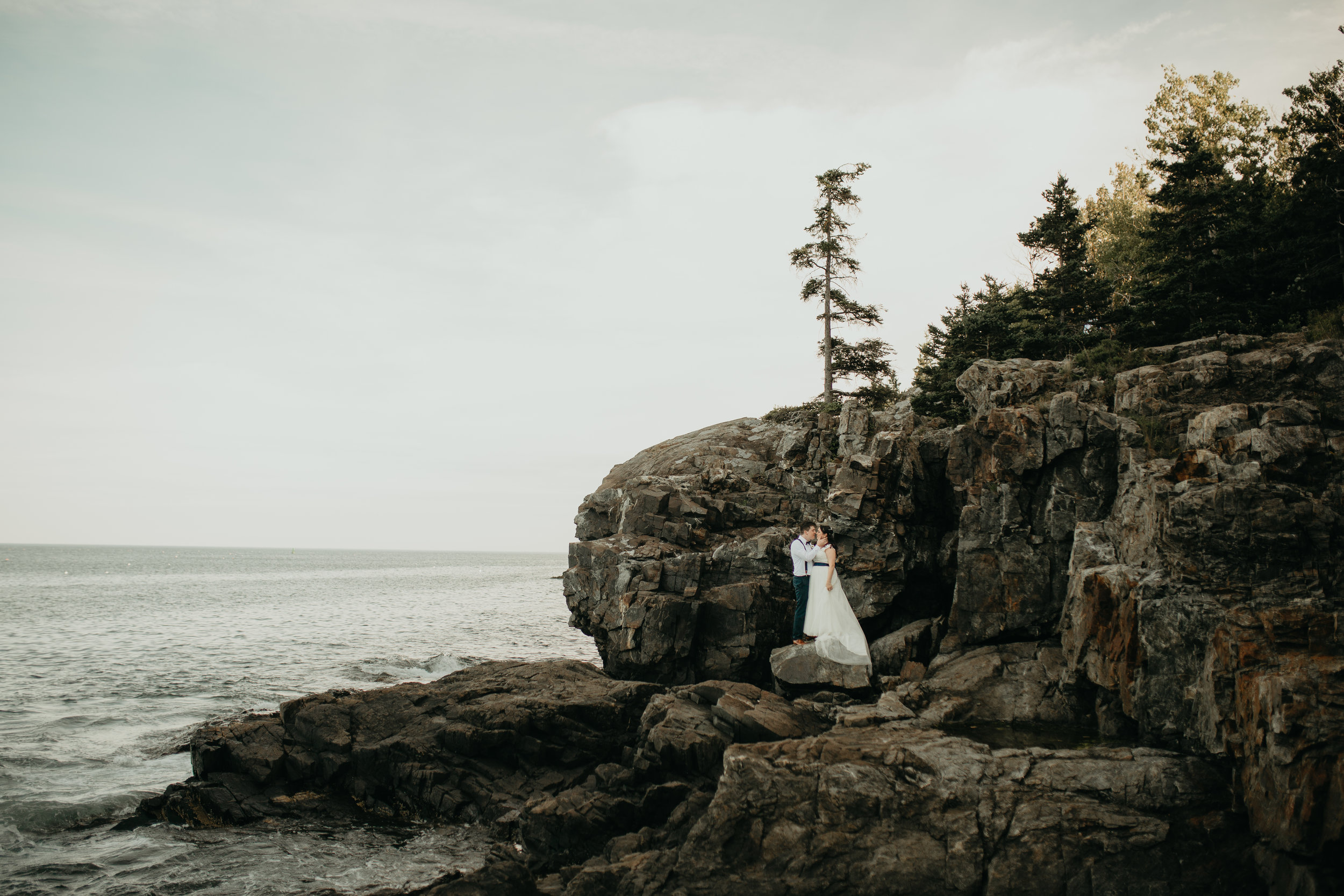 nicole-daacke-photography-Elopement-rocky-shoreline-coast-Acadia-National-Park-elopement-photographer-inspiration-maine-elopement-otter-cliffs-schoonic-head-point-38.jpg