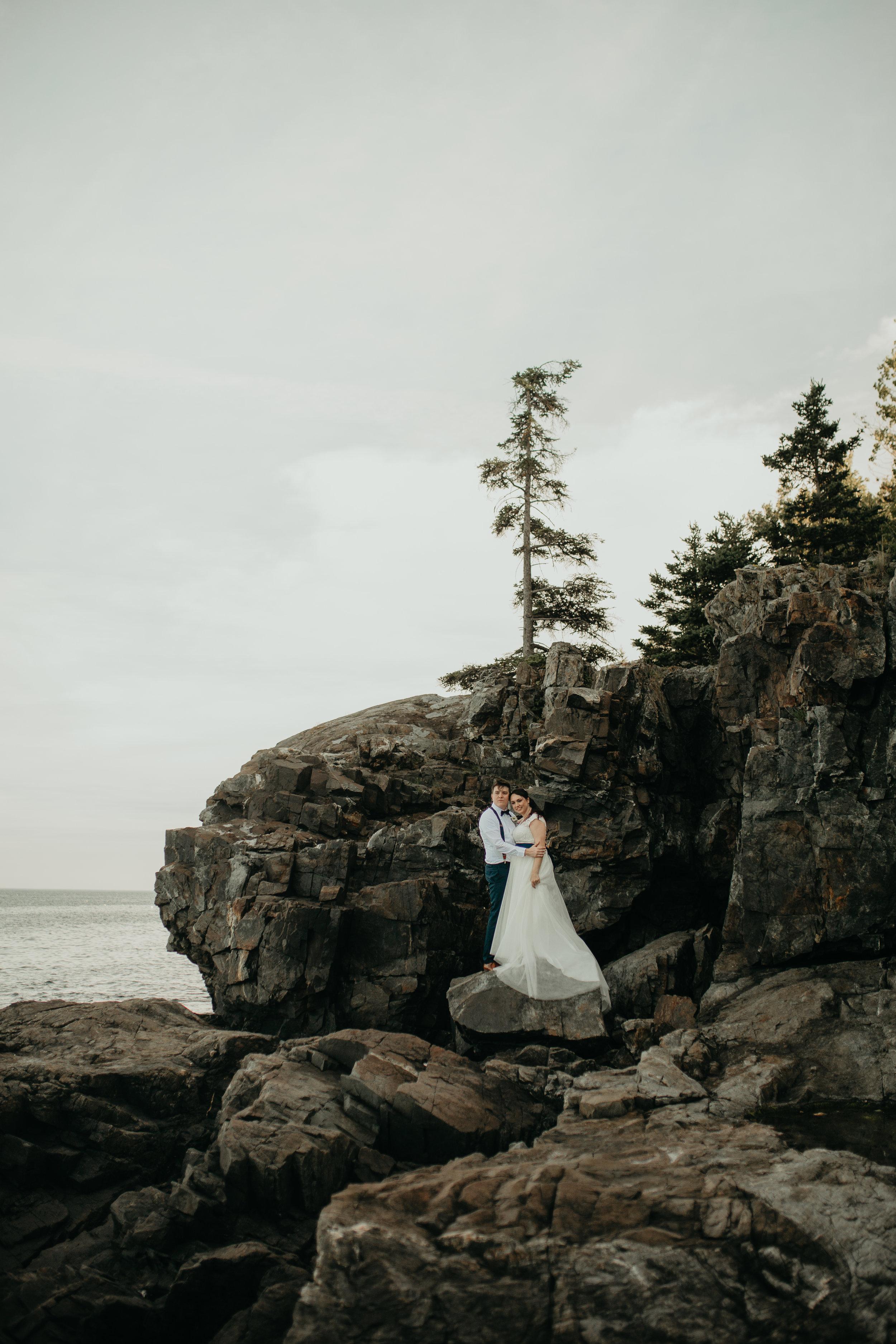 nicole-daacke-photography-Elopement-rocky-shoreline-coast-Acadia-National-Park-elopement-photographer-inspiration-maine-elopement-otter-cliffs-schoonic-head-point-39.jpg