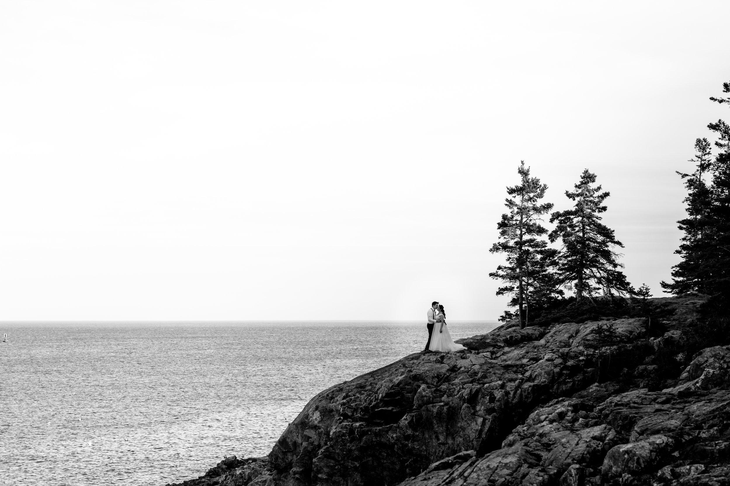 nicole-daacke-photography-Elopement-rocky-shoreline-coast-Acadia-National-Park-elopement-photographer-inspiration-maine-elopement-otter-cliffs-schoonic-head-point-42.jpg