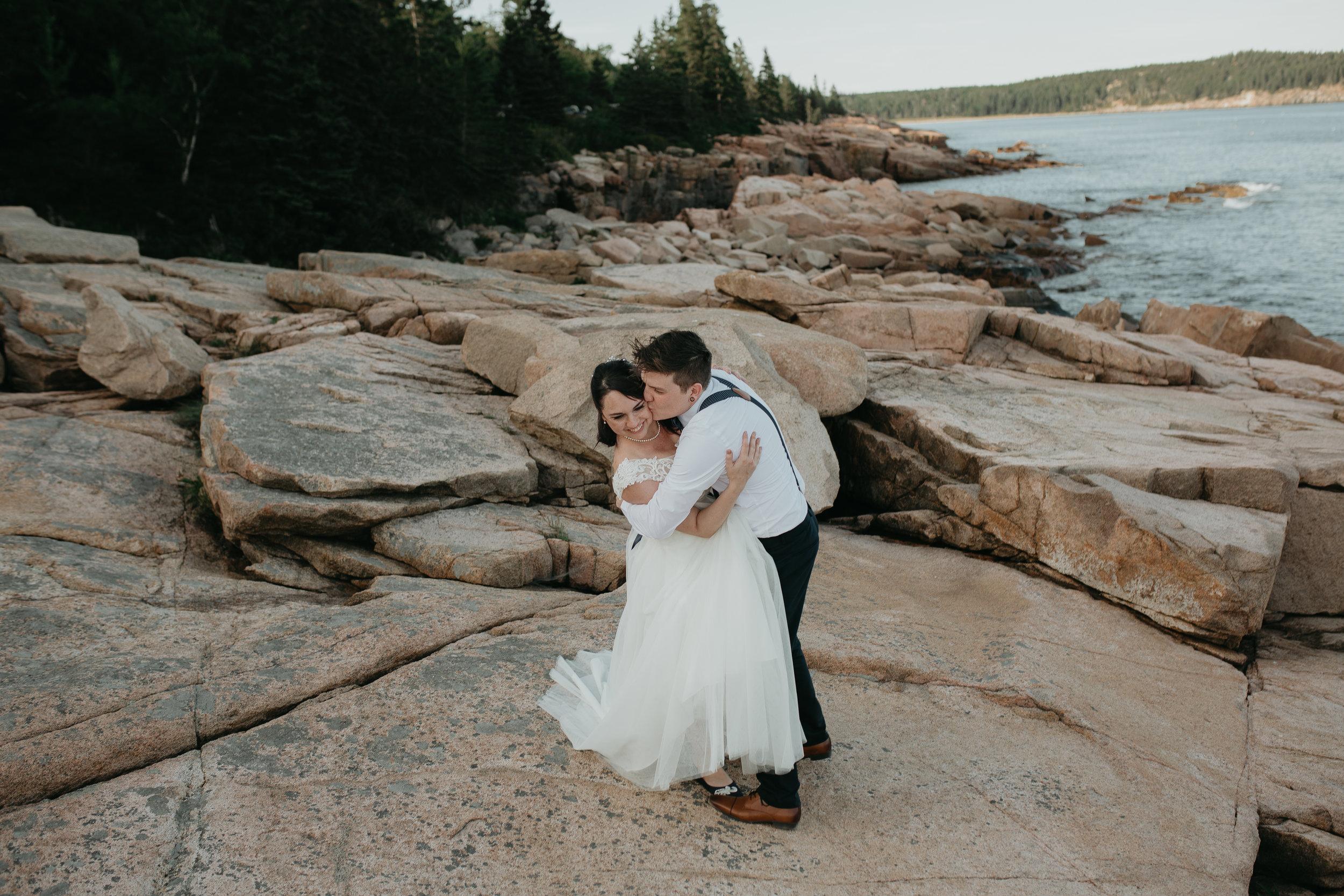 nicole-daacke-photography-Elopement-rocky-shoreline-coast-Acadia-National-Park-elopement-photographer-inspiration-maine-elopement-otter-cliffs-schoonic-head-point-47.jpg
