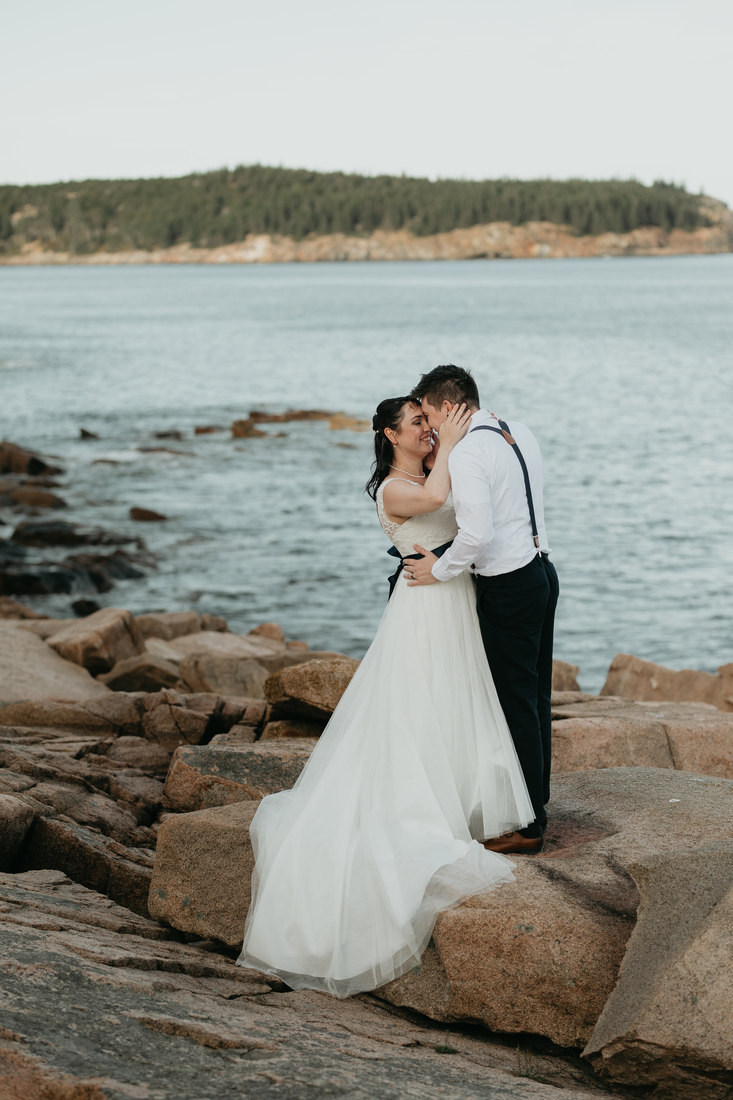 nicole-daacke-photography-Elopement-rocky-shoreline-coast-Acadia-National-Park-elopement-photographer-inspiration-maine-elopement-otter-cliffs-schoonic-head-point-49.jpg