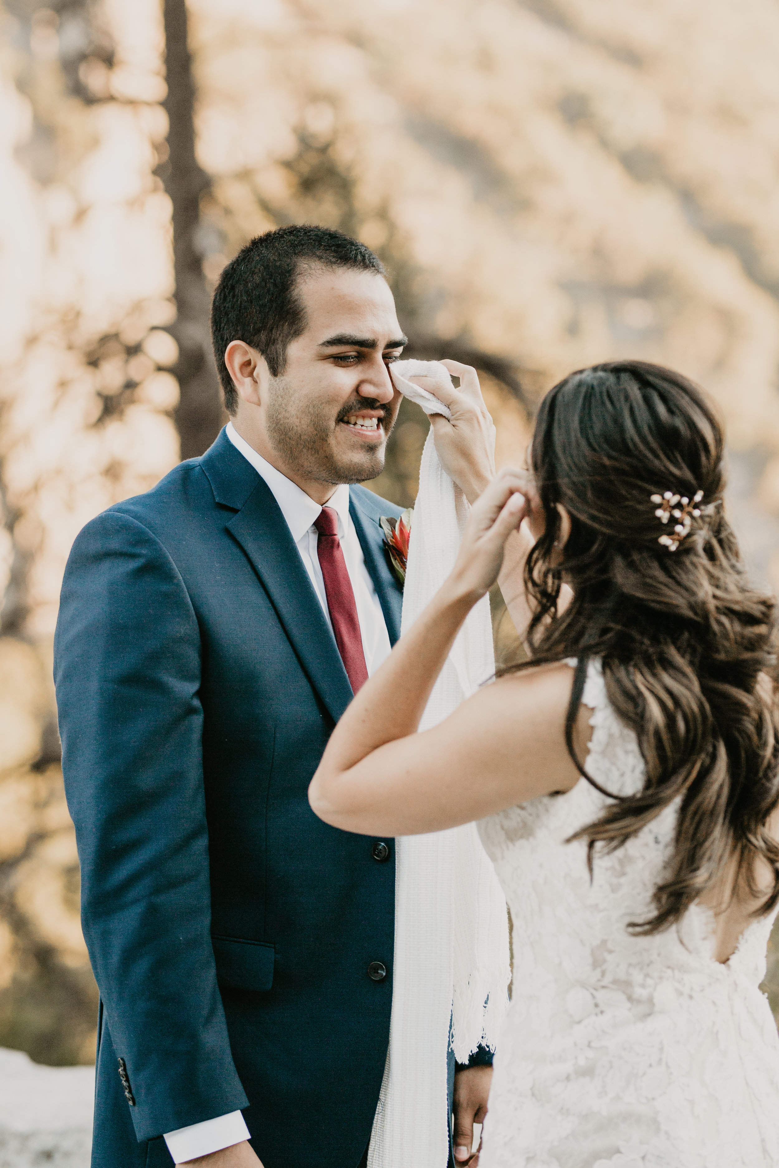 nicole-daacke-photography-intimate-elopement-wedding-yosemite-national-park-california-taft-point-sunset-photos-yosemite-valley-tunnel-view-first-look-sunrise-golden-granite-hiking-adventure-wedding-adventurous-elopement-photographer-4.jpg