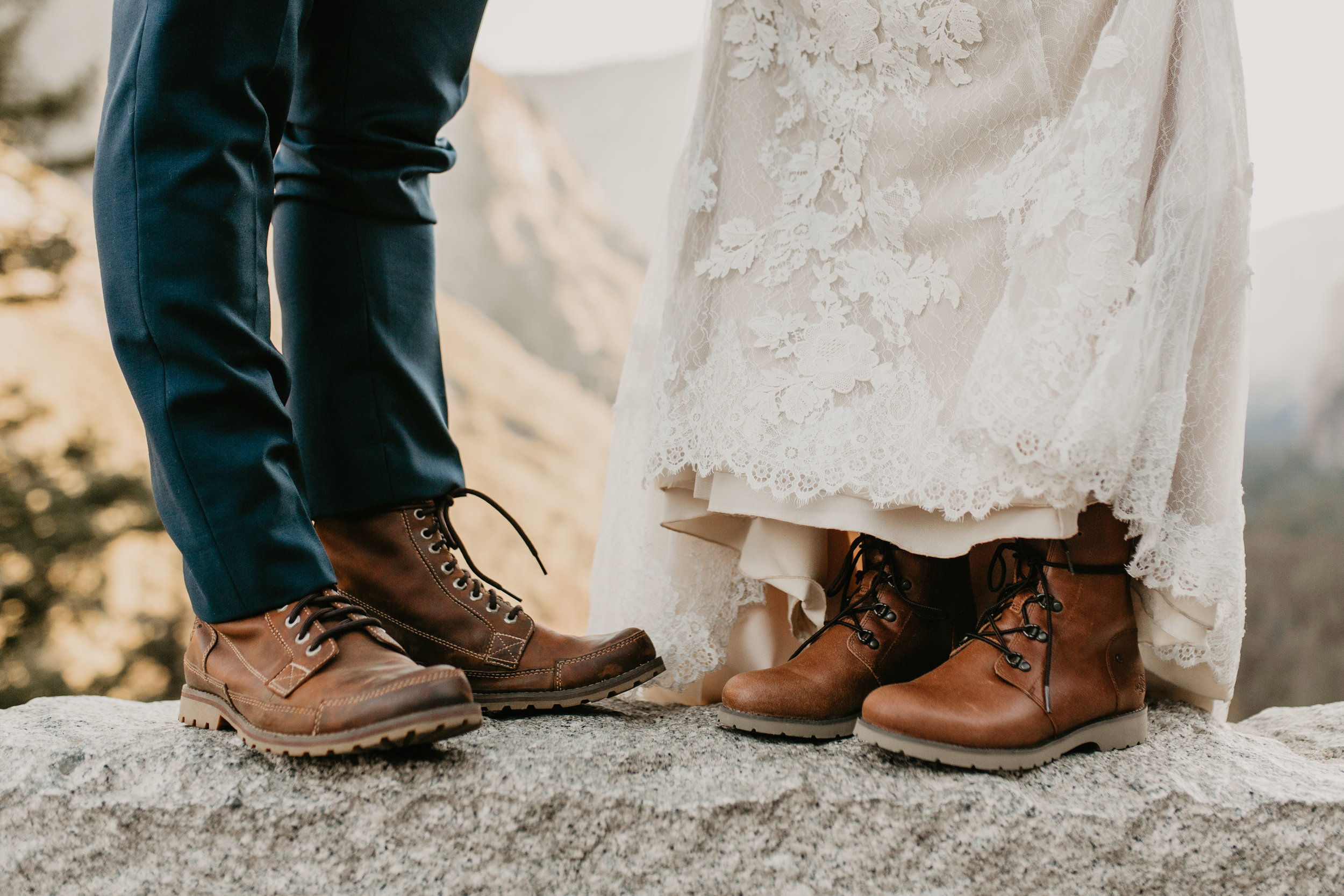 nicole-daacke-photography-intimate-elopement-wedding-yosemite-national-park-california-taft-point-sunset-photos-yosemite-valley-tunnel-view-first-look-sunrise-golden-granite-hiking-adventure-wedding-adventurous-elopement-photographer-7.jpg
