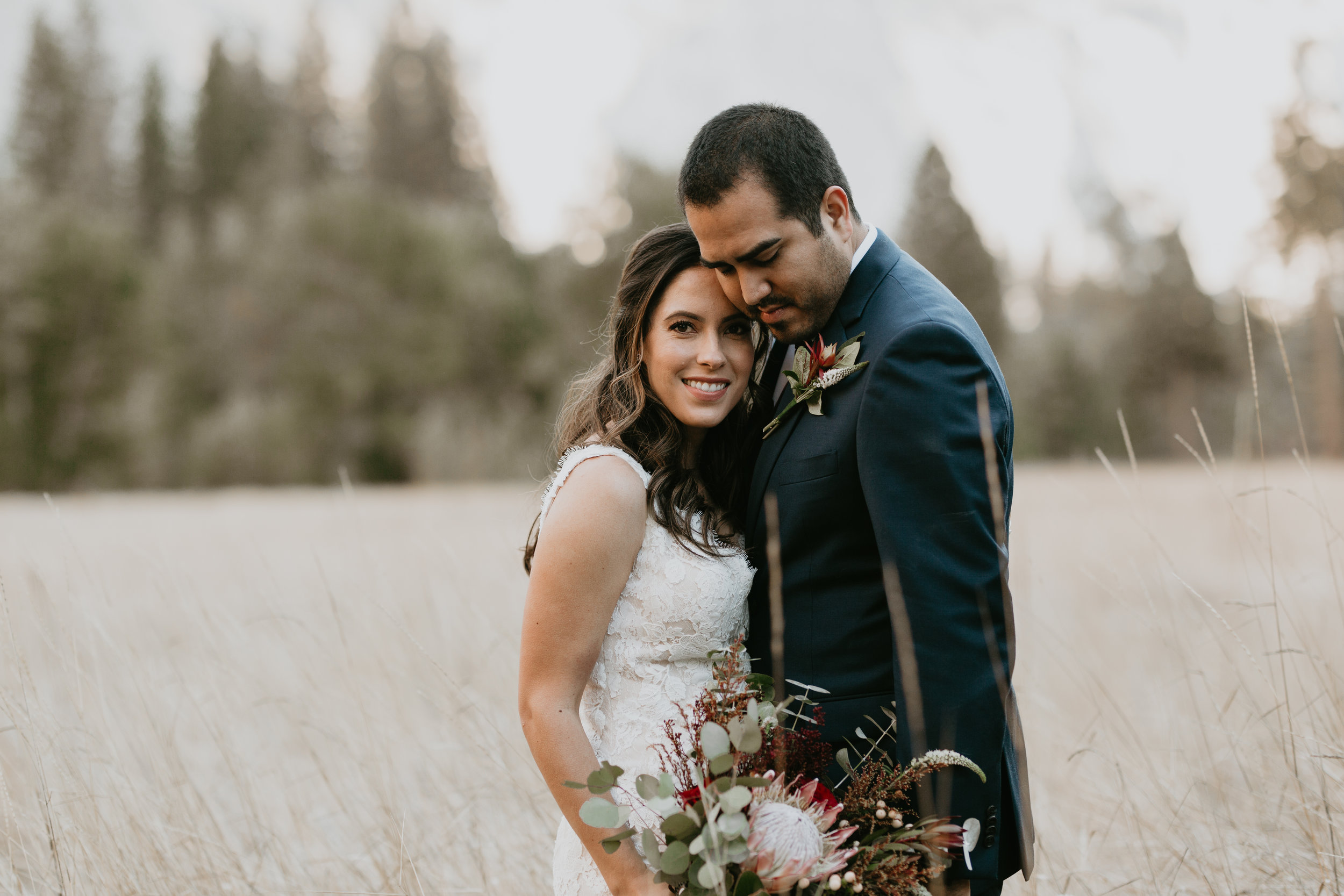 nicole-daacke-photography-intimate-elopement-wedding-yosemite-national-park-california-taft-point-sunset-photos-yosemite-valley-tunnel-view-first-look-sunrise-golden-granite-hiking-adventure-wedding-adventurous-elopement-photographer-10.jpg