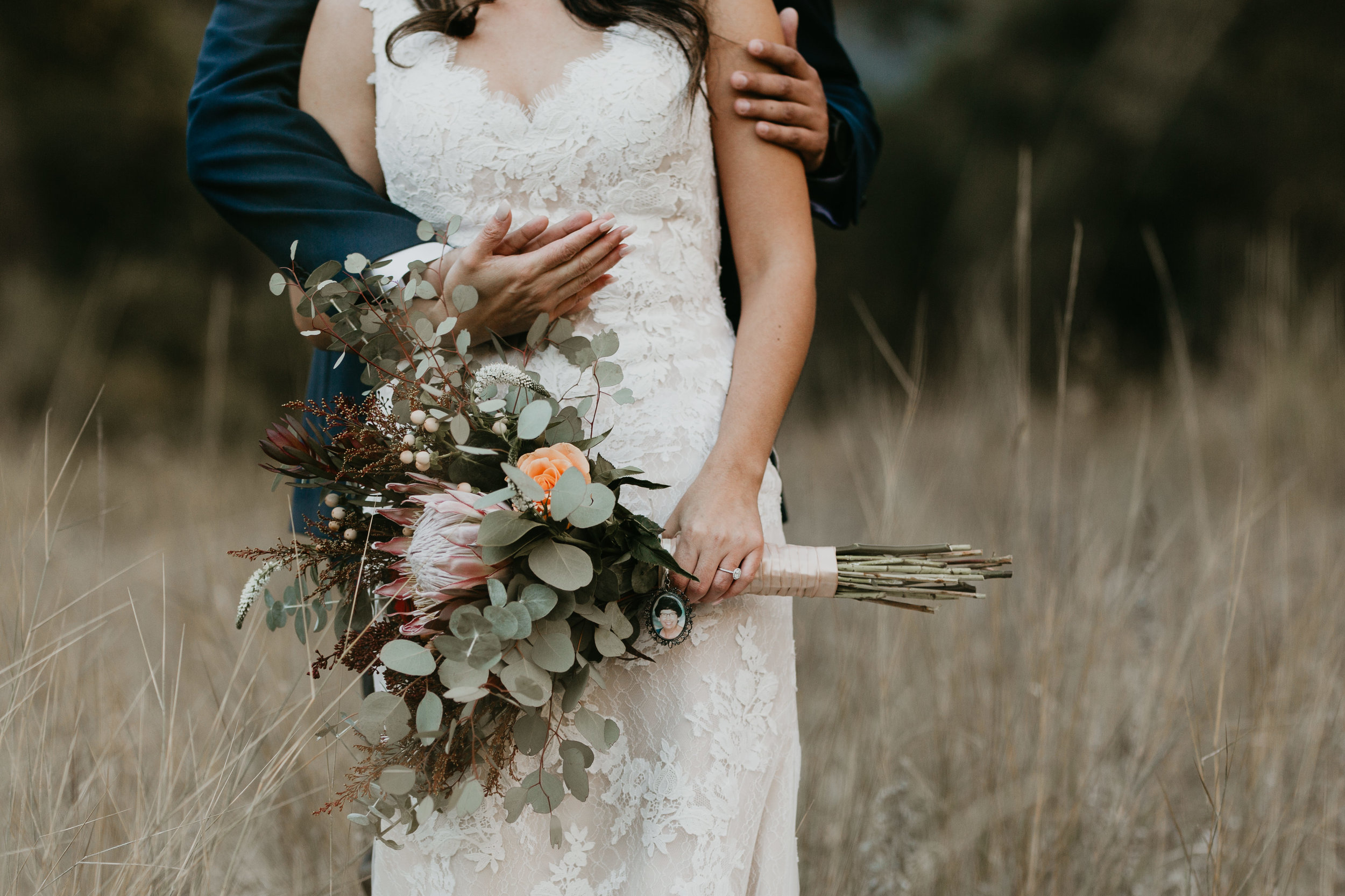 nicole-daacke-photography-intimate-elopement-wedding-yosemite-national-park-california-taft-point-sunset-photos-yosemite-valley-tunnel-view-first-look-sunrise-golden-granite-hiking-adventure-wedding-adventurous-elopement-photographer-13.jpg