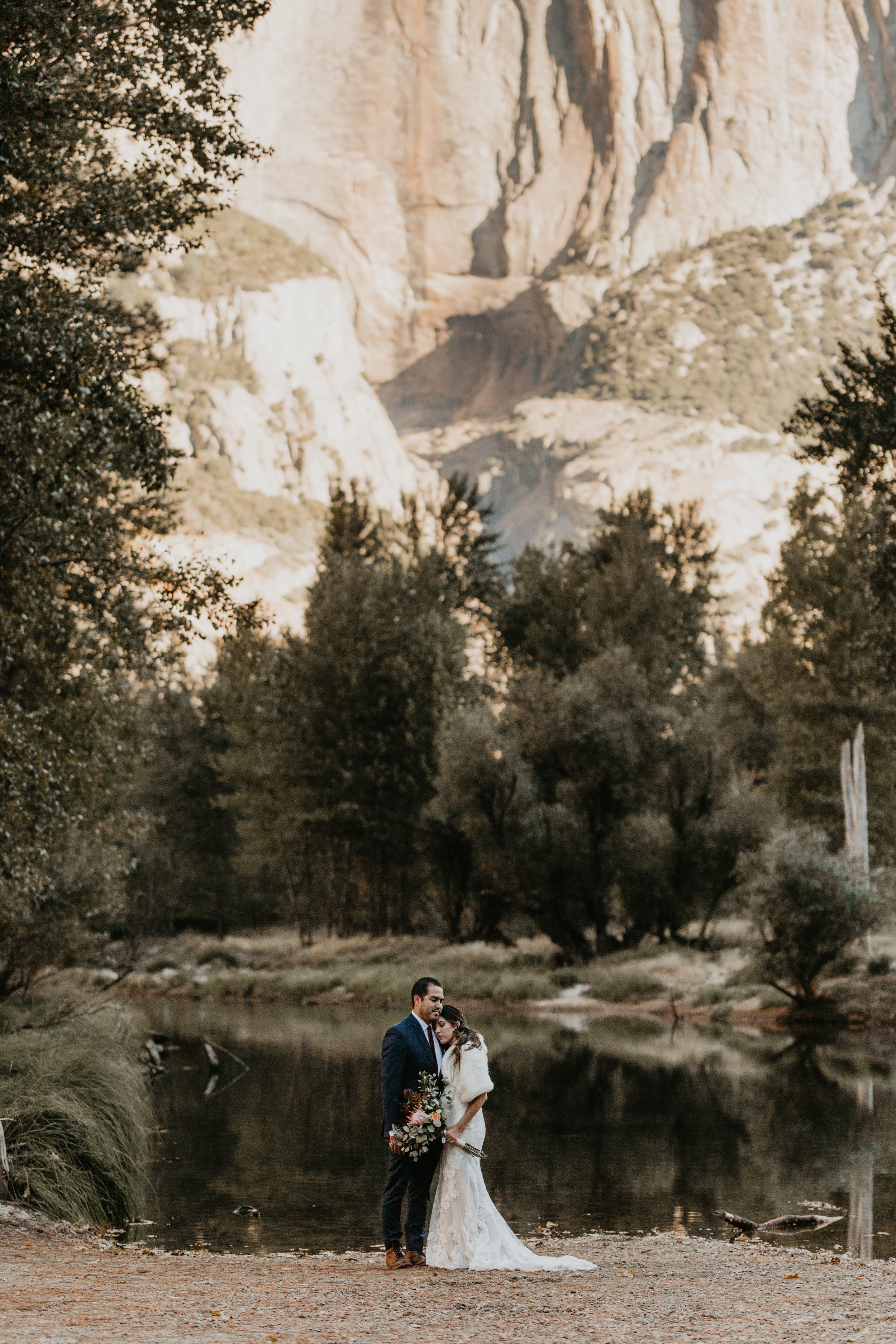 nicole-daacke-photography-intimate-elopement-wedding-yosemite-national-park-california-taft-point-sunset-photos-yosemite-valley-tunnel-view-first-look-sunrise-golden-granite-hiking-adventure-wedding-adventurous-elopement-photographer-26.jpg