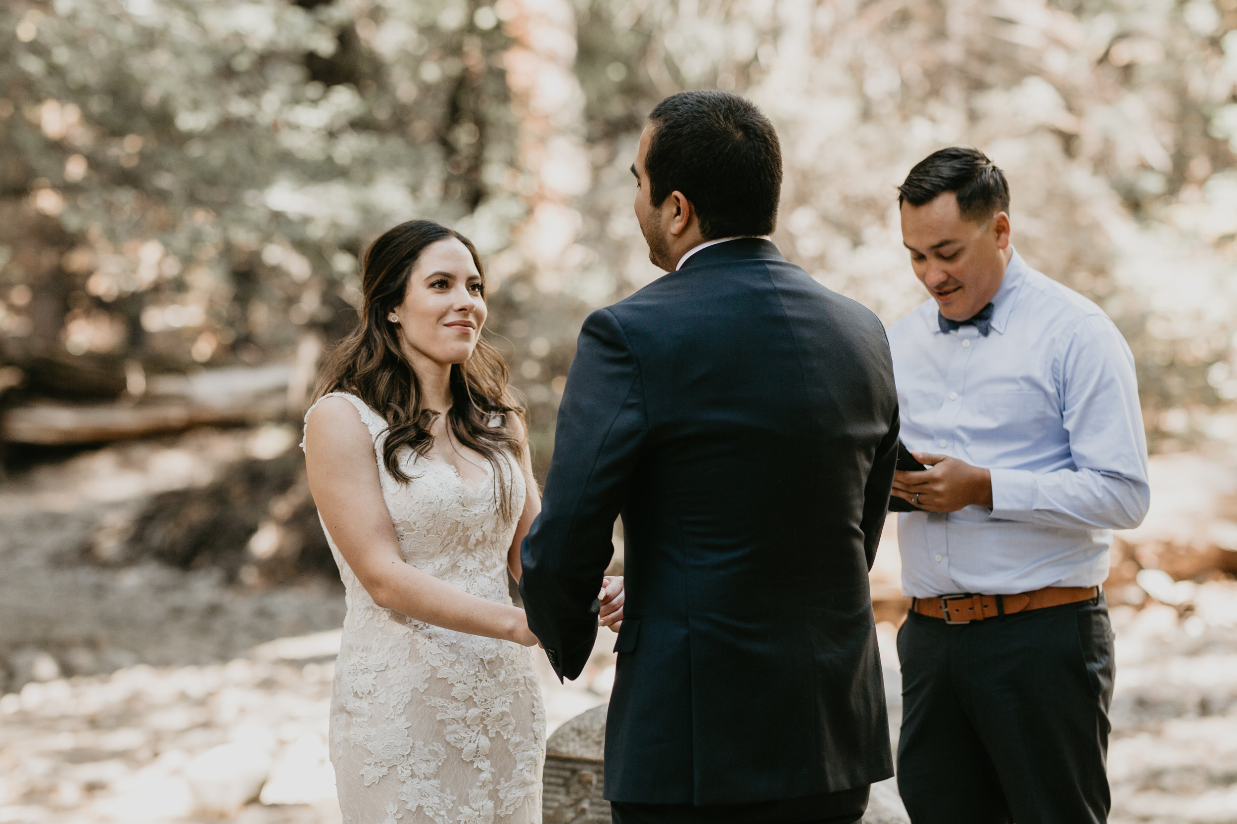 nicole-daacke-photography-intimate-elopement-wedding-yosemite-national-park-california-taft-point-sunset-photos-yosemite-valley-tunnel-view-first-look-sunrise-golden-granite-hiking-adventure-wedding-adventurous-elopement-photographer-46.jpg