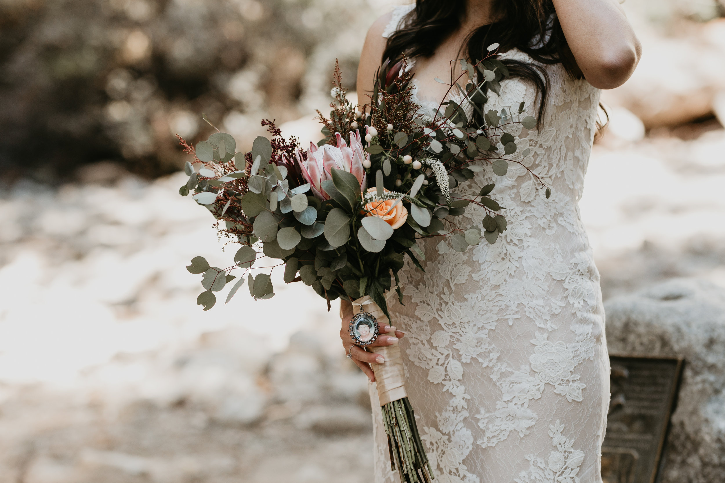 nicole-daacke-photography-intimate-elopement-wedding-yosemite-national-park-california-taft-point-sunset-photos-yosemite-valley-tunnel-view-first-look-sunrise-golden-granite-hiking-adventure-wedding-adventurous-elopement-photographer-53.jpg