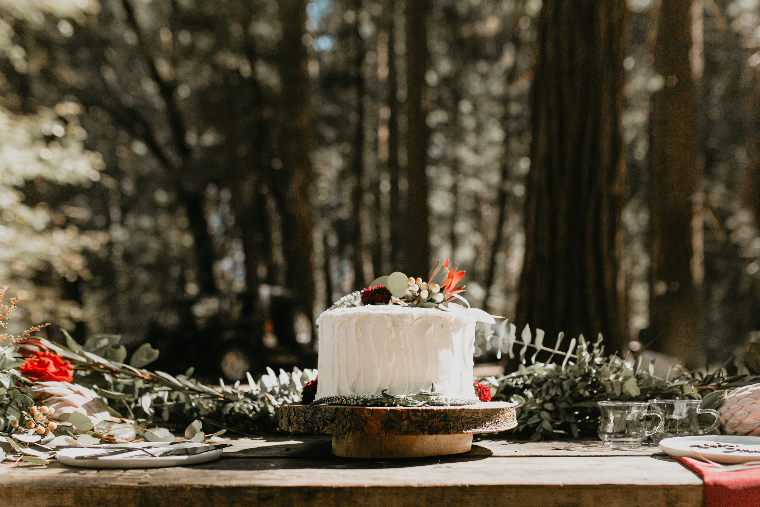 nicole-daacke-photography-intimate-elopement-wedding-yosemite-national-park-california-taft-point-sunset-photos-yosemite-valley-tunnel-view-first-look-sunrise-golden-granite-hiking-adventure-wedding-adventurous-elopement-photographer-63.jpg