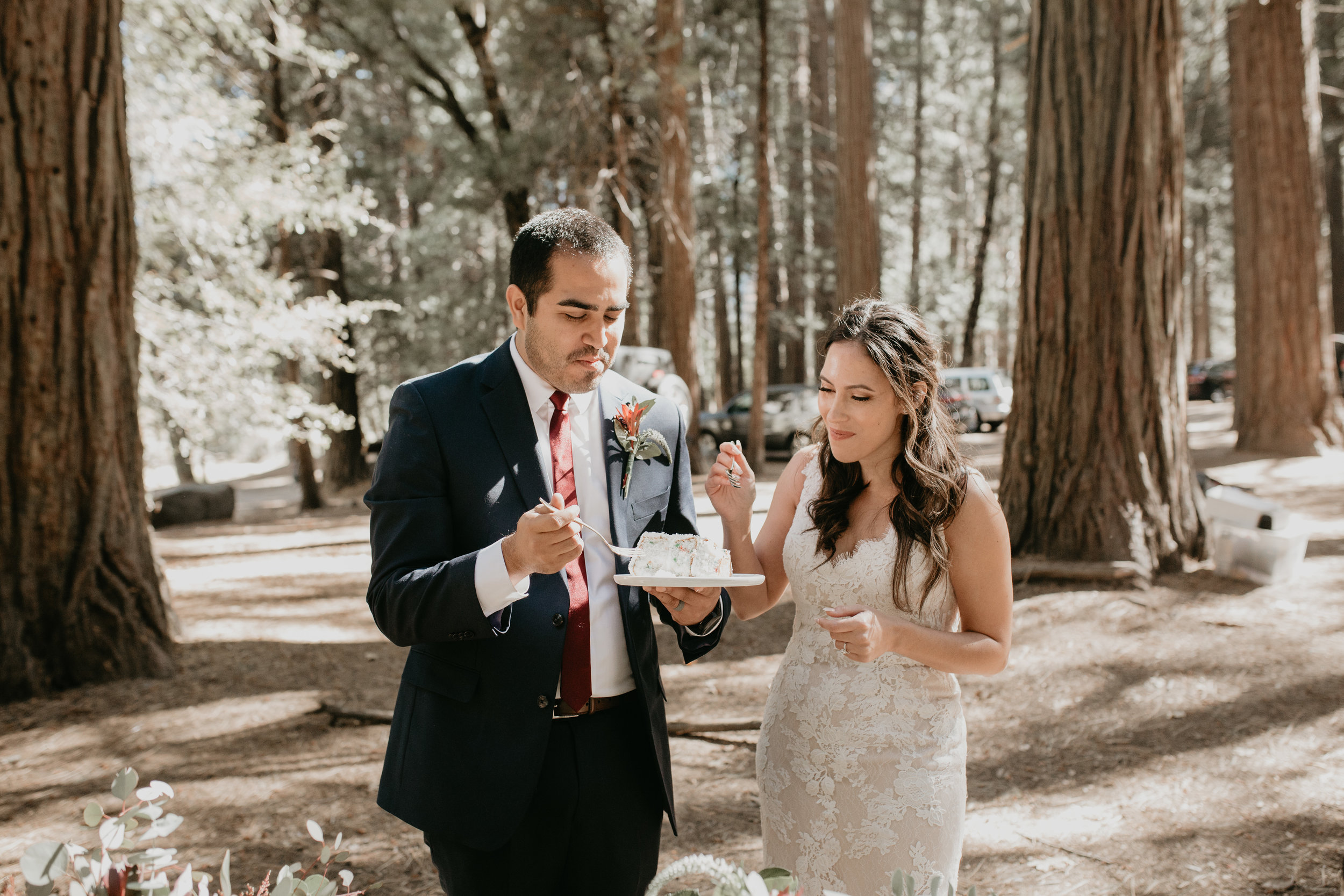 nicole-daacke-photography-intimate-elopement-wedding-yosemite-national-park-california-taft-point-sunset-photos-yosemite-valley-tunnel-view-first-look-sunrise-golden-granite-hiking-adventure-wedding-adventurous-elopement-photographer-68.jpg