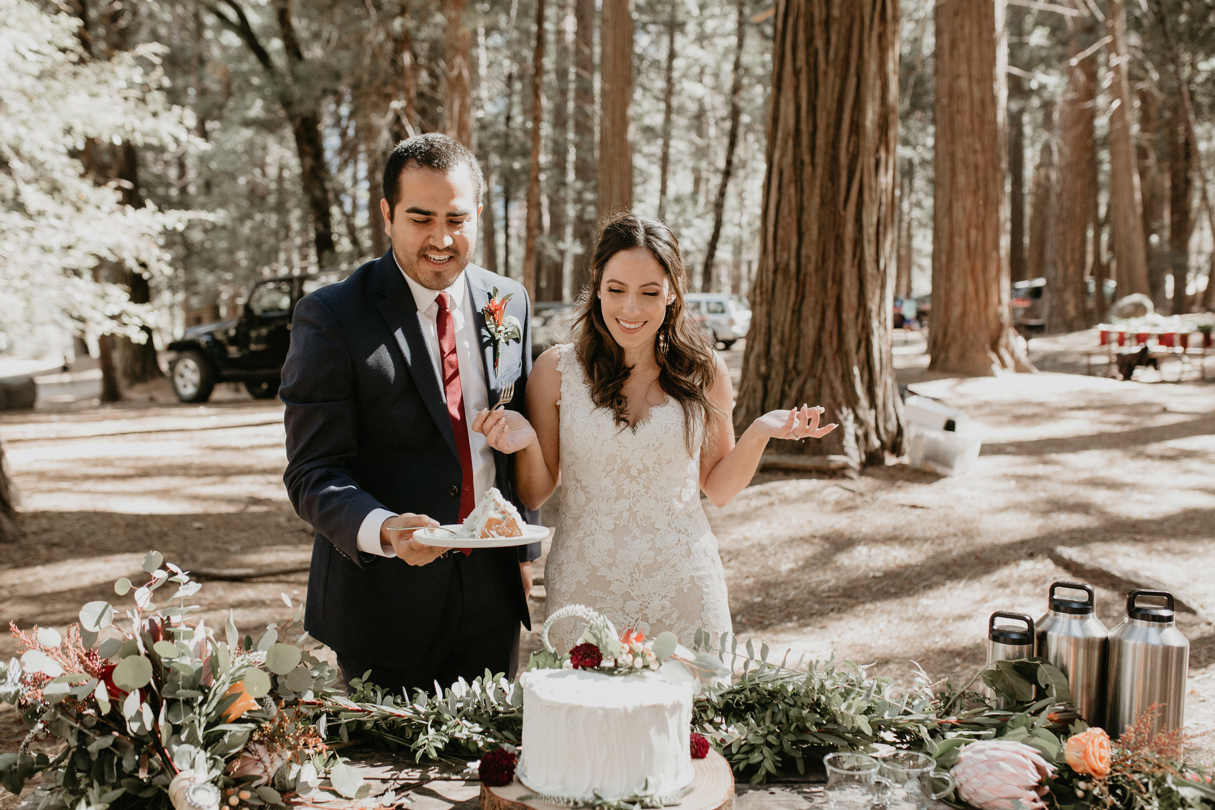 nicole-daacke-photography-intimate-elopement-wedding-yosemite-national-park-california-taft-point-sunset-photos-yosemite-valley-tunnel-view-first-look-sunrise-golden-granite-hiking-adventure-wedding-adventurous-elopement-photographer-69.jpg