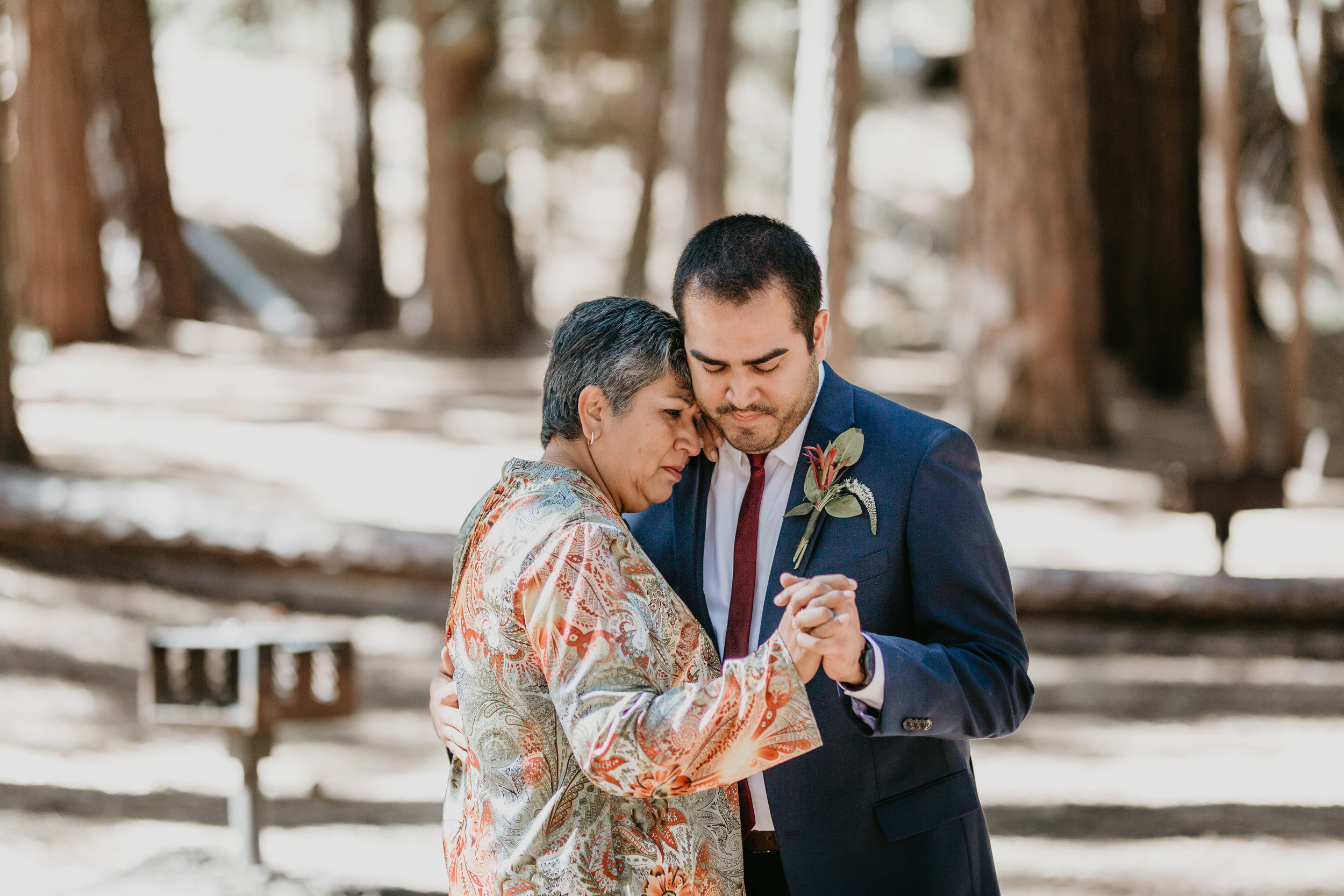 nicole-daacke-photography-intimate-elopement-wedding-yosemite-national-park-california-taft-point-sunset-photos-yosemite-valley-tunnel-view-first-look-sunrise-golden-granite-hiking-adventure-wedding-adventurous-elopement-photographer-84.jpg