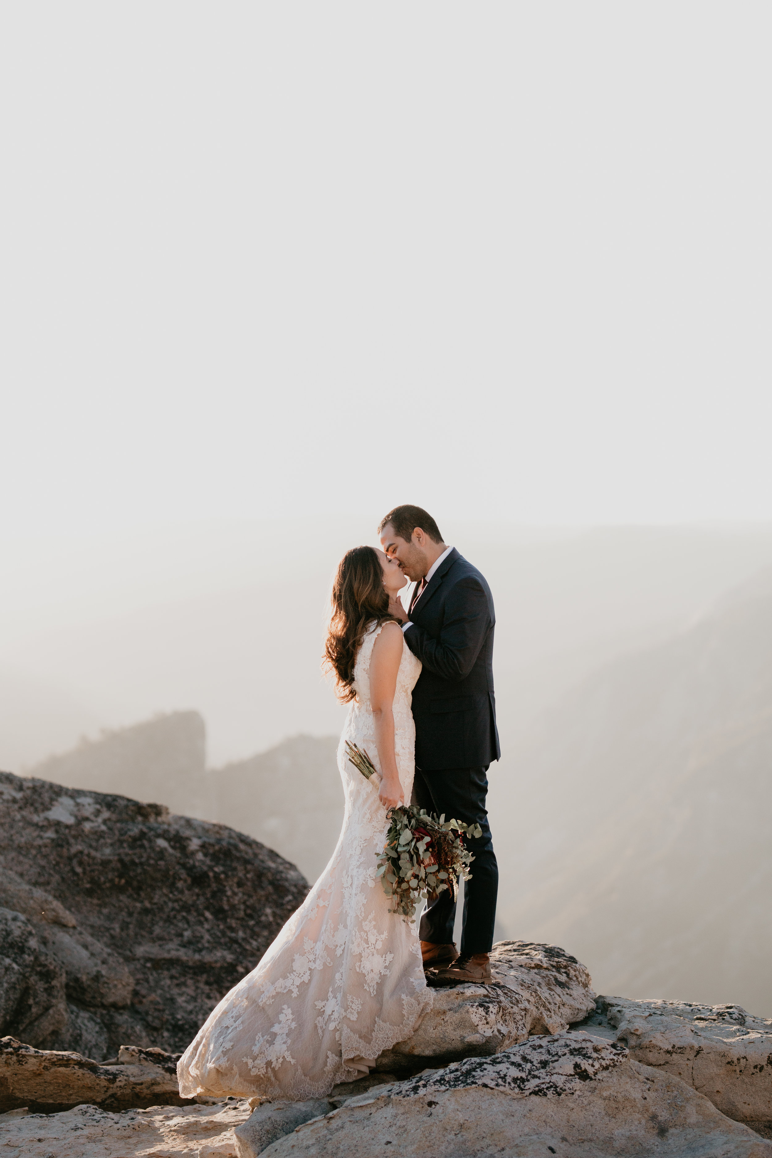 nicole-daacke-photography-intimate-elopement-wedding-yosemite-national-park-california-taft-point-sunset-photos-yosemite-valley-tunnel-view-first-look-sunrise-golden-granite-hiking-adventure-wedding-adventurous-elopement-photographer-95.jpg