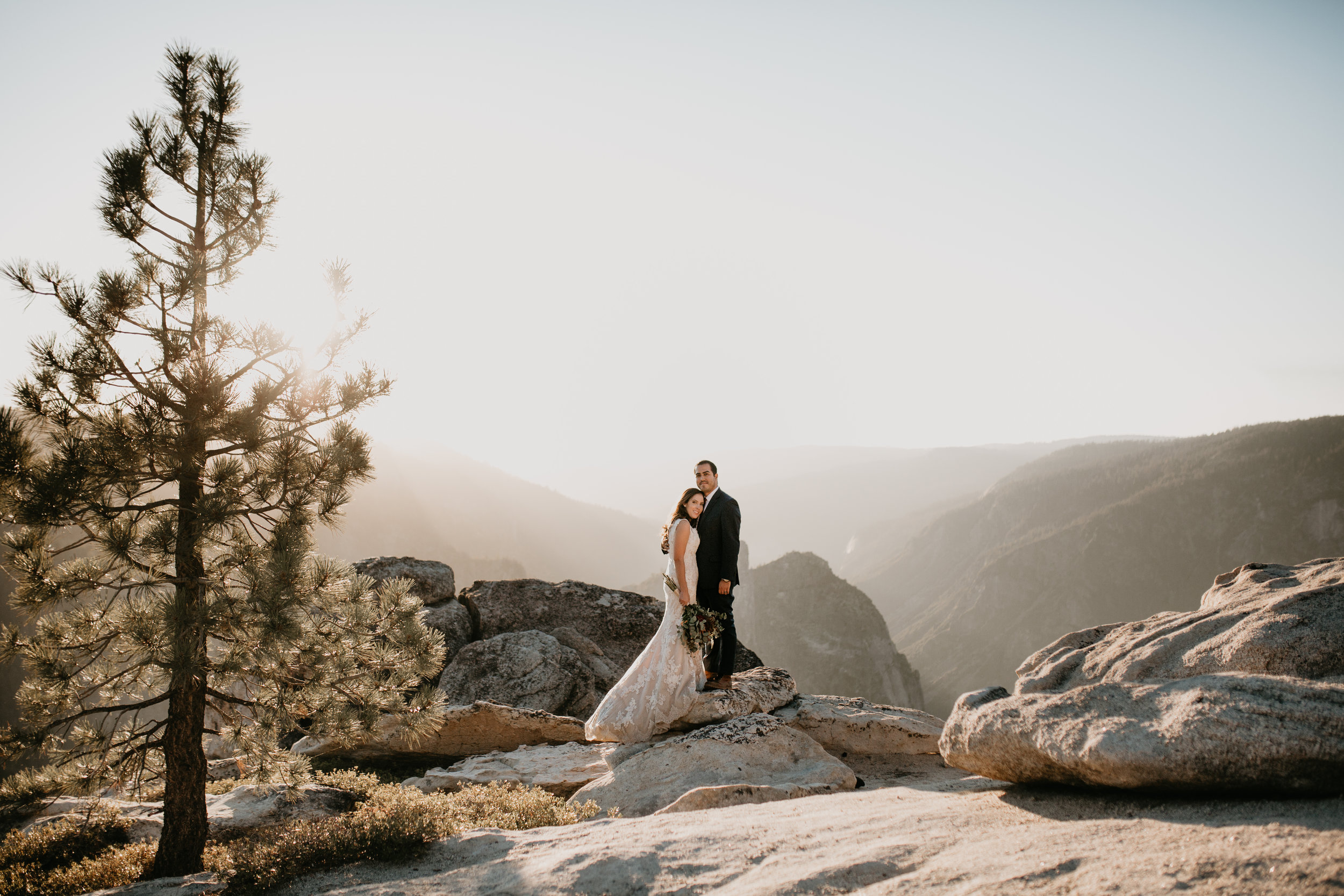 nicole-daacke-photography-intimate-elopement-wedding-yosemite-national-park-california-taft-point-sunset-photos-yosemite-valley-tunnel-view-first-look-sunrise-golden-granite-hiking-adventure-wedding-adventurous-elopement-photographer-94.jpg