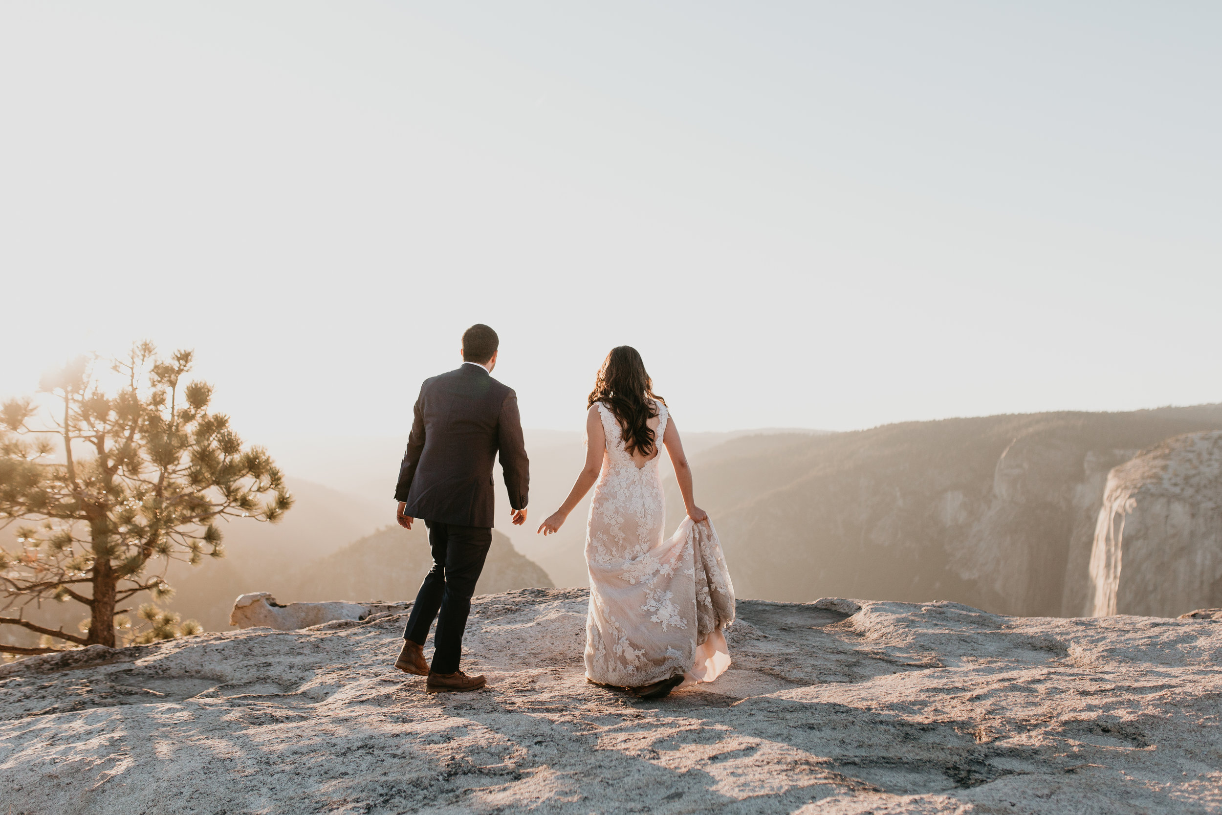nicole-daacke-photography-intimate-elopement-wedding-yosemite-national-park-california-taft-point-sunset-photos-yosemite-valley-tunnel-view-first-look-sunrise-golden-granite-hiking-adventure-wedding-adventurous-elopement-photographer-105.jpg