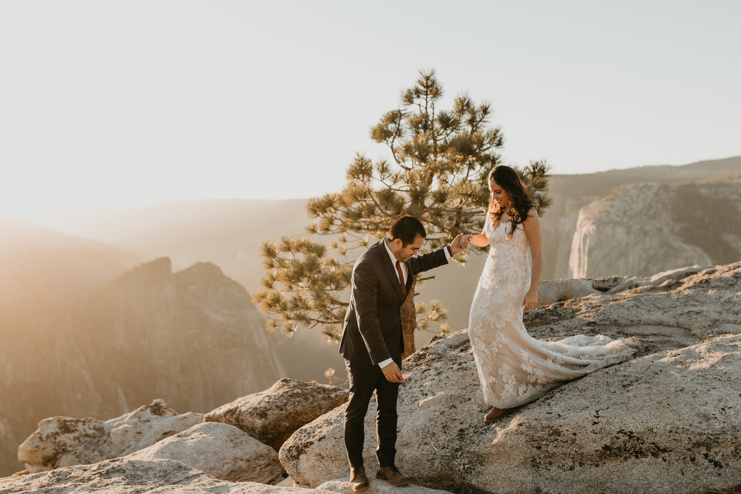 nicole-daacke-photography-intimate-elopement-wedding-yosemite-national-park-california-taft-point-sunset-photos-yosemite-valley-tunnel-view-first-look-sunrise-golden-granite-hiking-adventure-wedding-adventurous-elopement-photographer-106.jpg