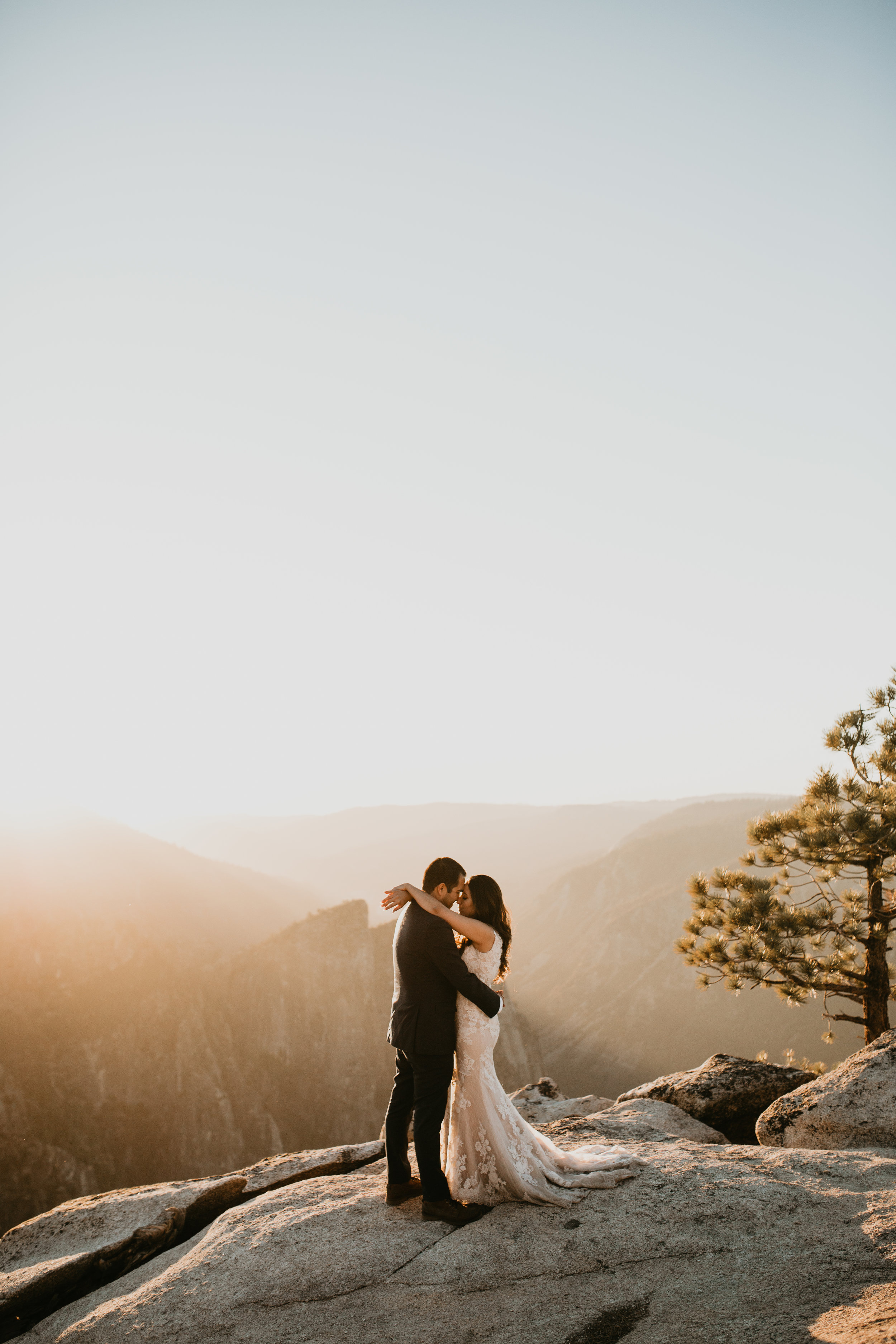 nicole-daacke-photography-intimate-elopement-wedding-yosemite-national-park-california-taft-point-sunset-photos-yosemite-valley-tunnel-view-first-look-sunrise-golden-granite-hiking-adventure-wedding-adventurous-elopement-photographer-107.jpg