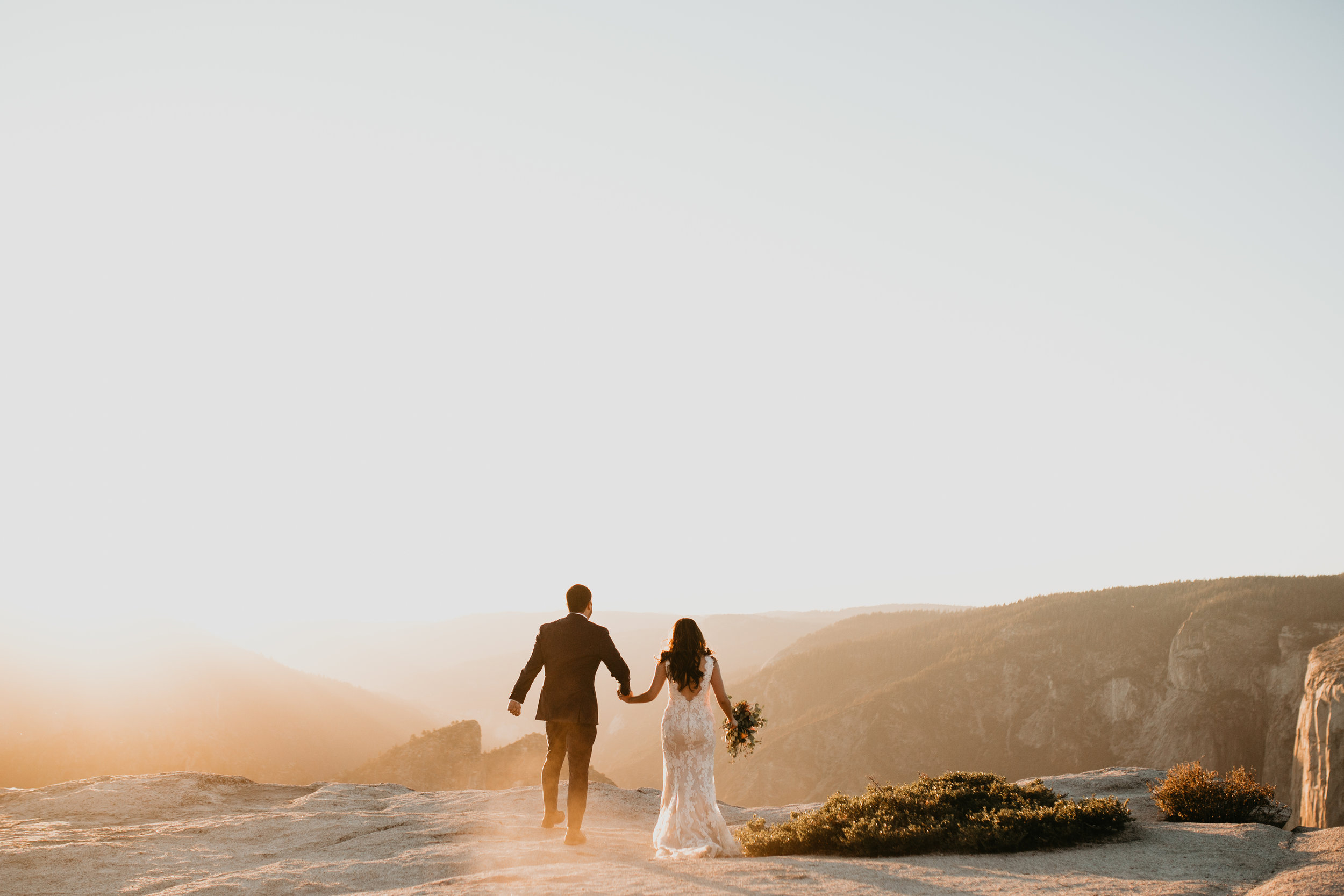 nicole-daacke-photography-intimate-elopement-wedding-yosemite-national-park-california-taft-point-sunset-photos-yosemite-valley-tunnel-view-first-look-sunrise-golden-granite-hiking-adventure-wedding-adventurous-elopement-photographer-109.jpg