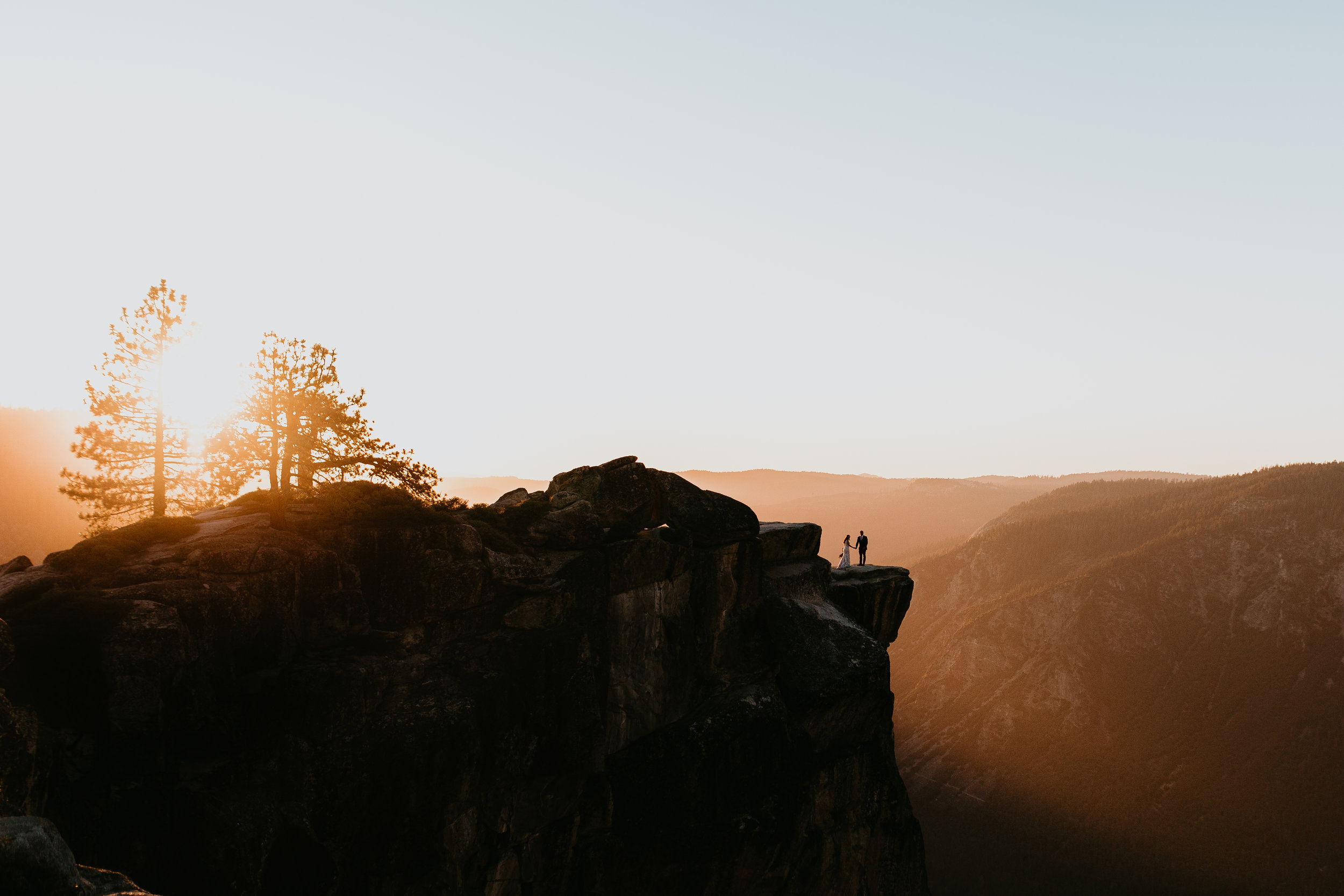 nicole-daacke-photography-intimate-elopement-wedding-yosemite-national-park-california-taft-point-sunset-photos-yosemite-valley-tunnel-view-first-look-sunrise-golden-granite-hiking-adventure-wedding-adventurous-elopement-photographer-113.jpg