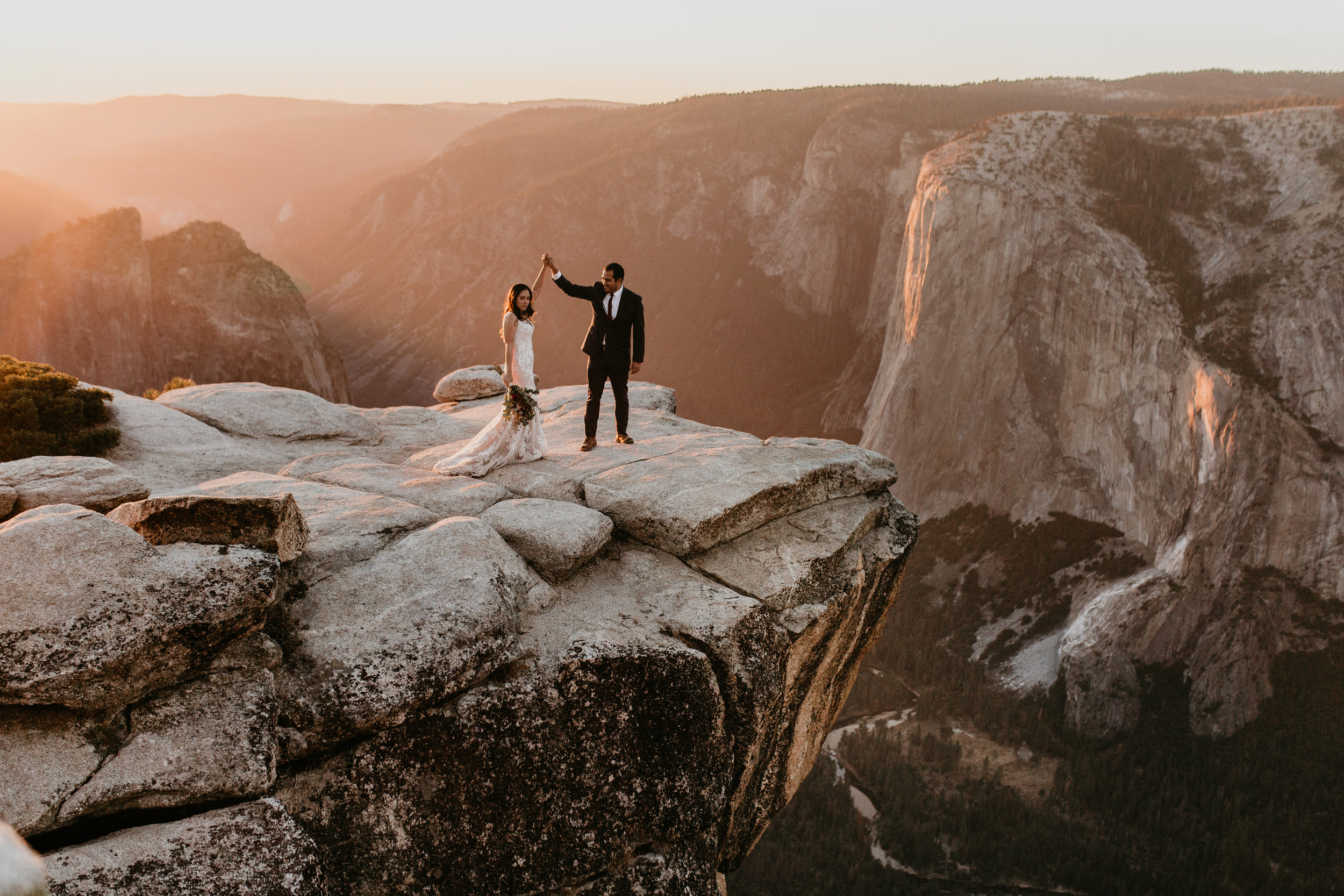 nicole-daacke-photography-intimate-elopement-wedding-yosemite-national-park-california-taft-point-sunset-photos-yosemite-valley-tunnel-view-first-look-sunrise-golden-granite-hiking-adventure-wedding-adventurous-elopement-photographer-115.jpg