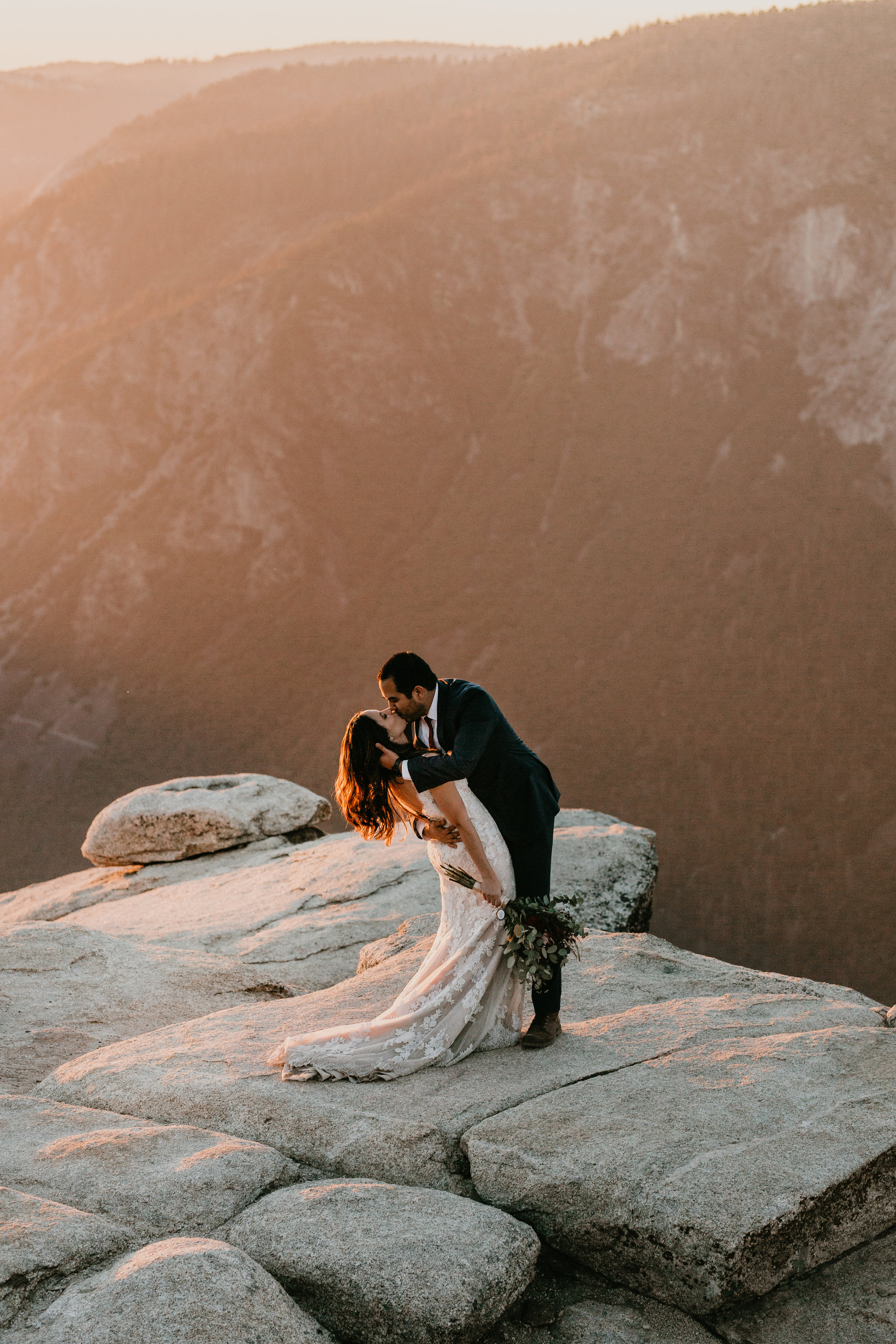 nicole-daacke-photography-intimate-elopement-wedding-yosemite-national-park-california-taft-point-sunset-photos-yosemite-valley-tunnel-view-first-look-sunrise-golden-granite-hiking-adventure-wedding-adventurous-elopement-photographer-116.jpg