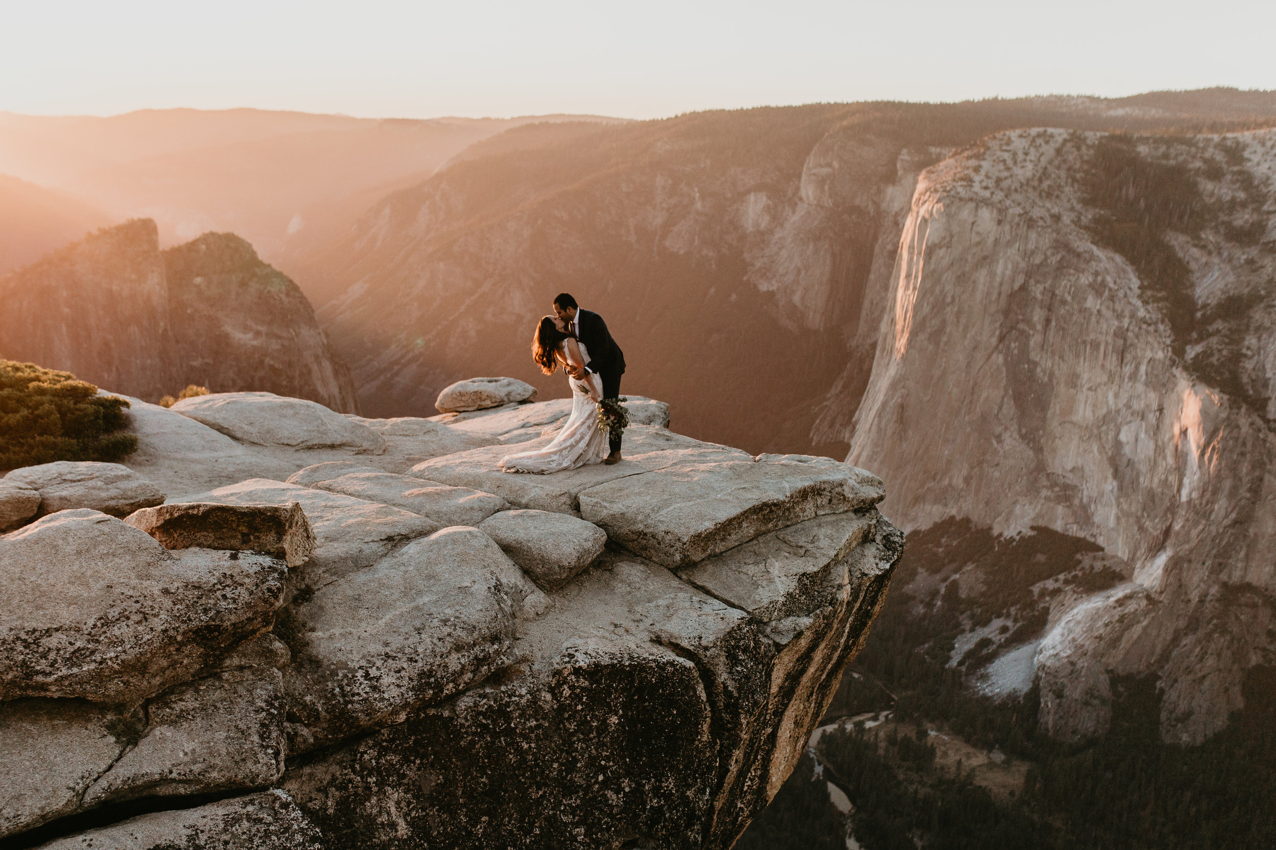 nicole-daacke-photography-intimate-elopement-wedding-yosemite-national-park-california-taft-point-sunset-photos-yosemite-valley-tunnel-view-first-look-sunrise-golden-granite-hiking-adventure-wedding-adventurous-elopement-photographer-117.jpg