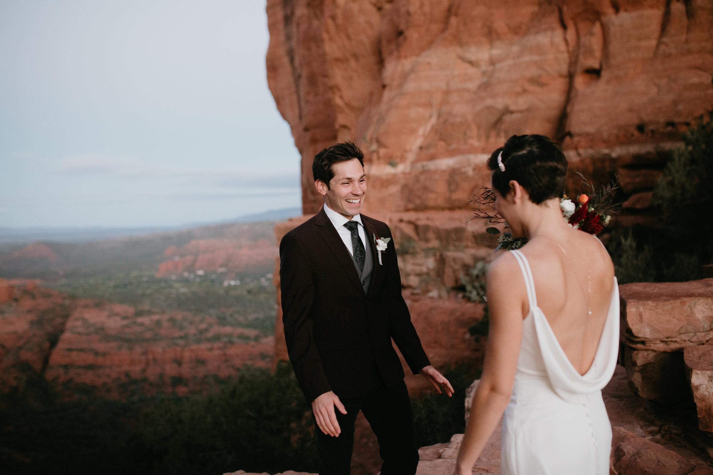 nicole-daacke-photography-sedona-arizona-destination-elopement-wedding-photographer-catherdral-rock-hiking-elopement-sedona-river-elopement-photos-desert-rock-wedding-photographer-laid-back-spontaneous-elopement-6.jpg