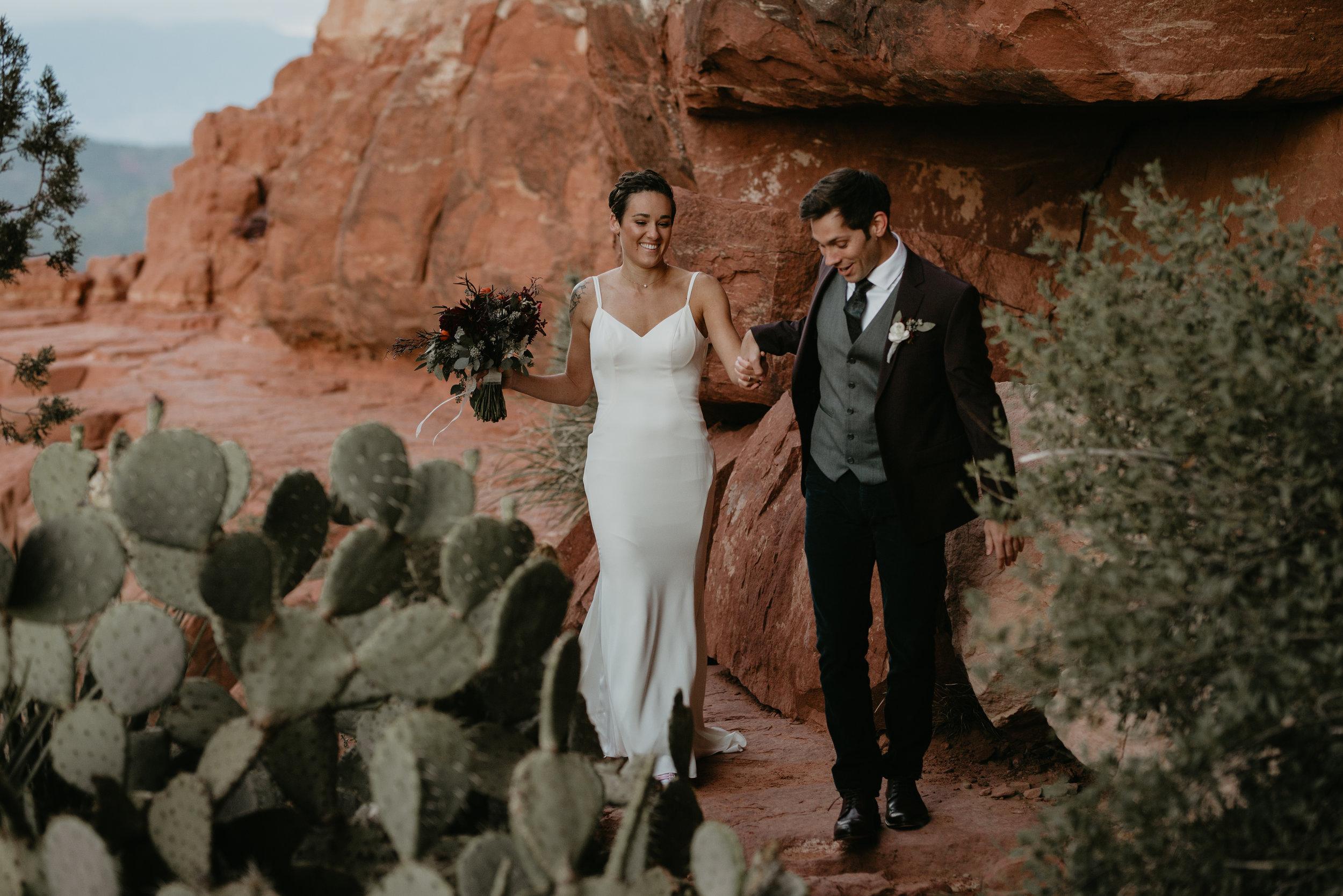 nicole-daacke-photography-sedona-arizona-destination-elopement-wedding-photographer-catherdral-rock-hiking-elopement-sedona-river-elopement-photos-desert-rock-wedding-photographer-laid-back-spontaneous-elopement-24.jpg