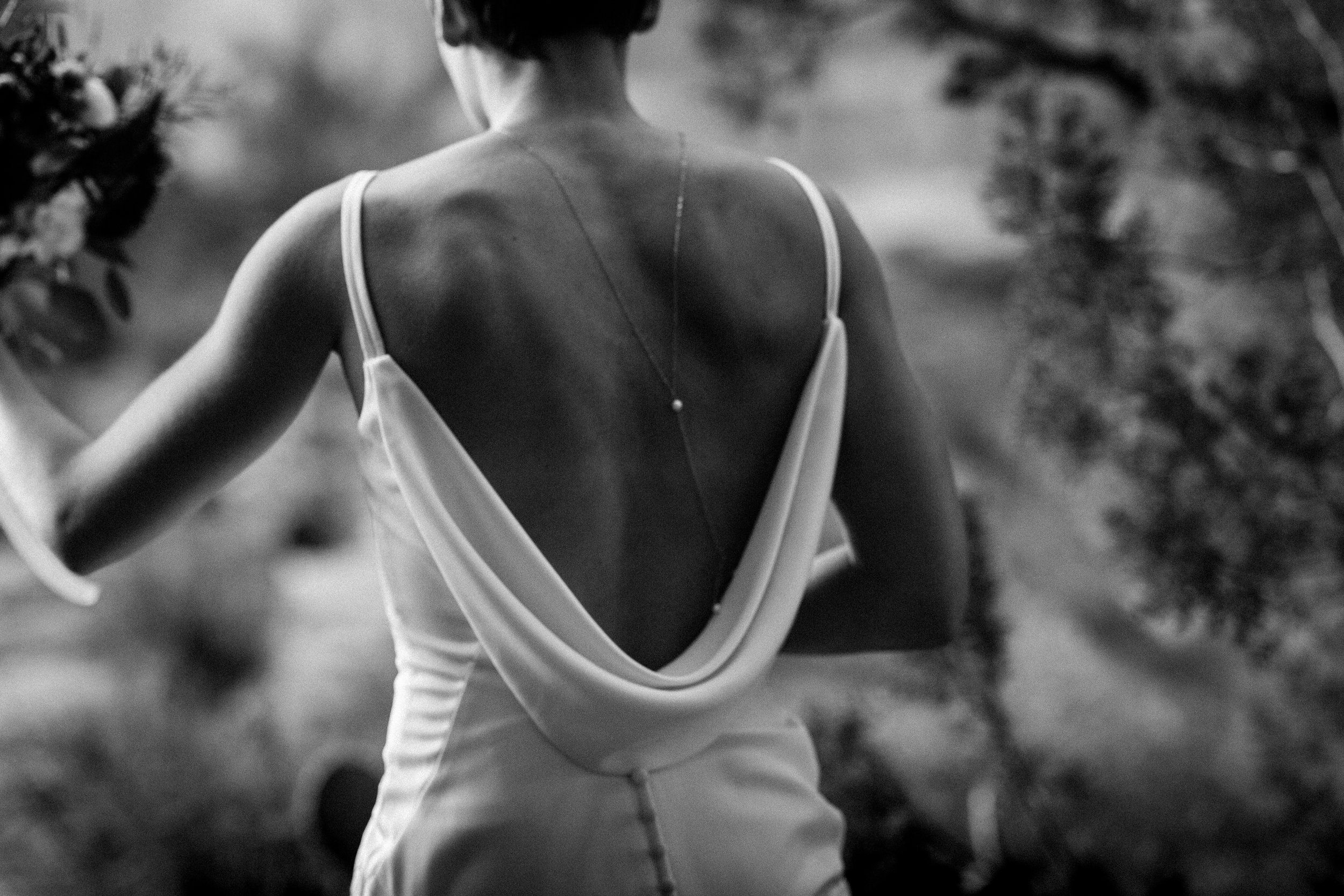 nicole-daacke-photography-sedona-arizona-destination-elopement-wedding-photographer-catherdral-rock-hiking-elopement-sedona-river-elopement-photos-desert-rock-wedding-photographer-laid-back-spontaneous-elopement-30.jpg