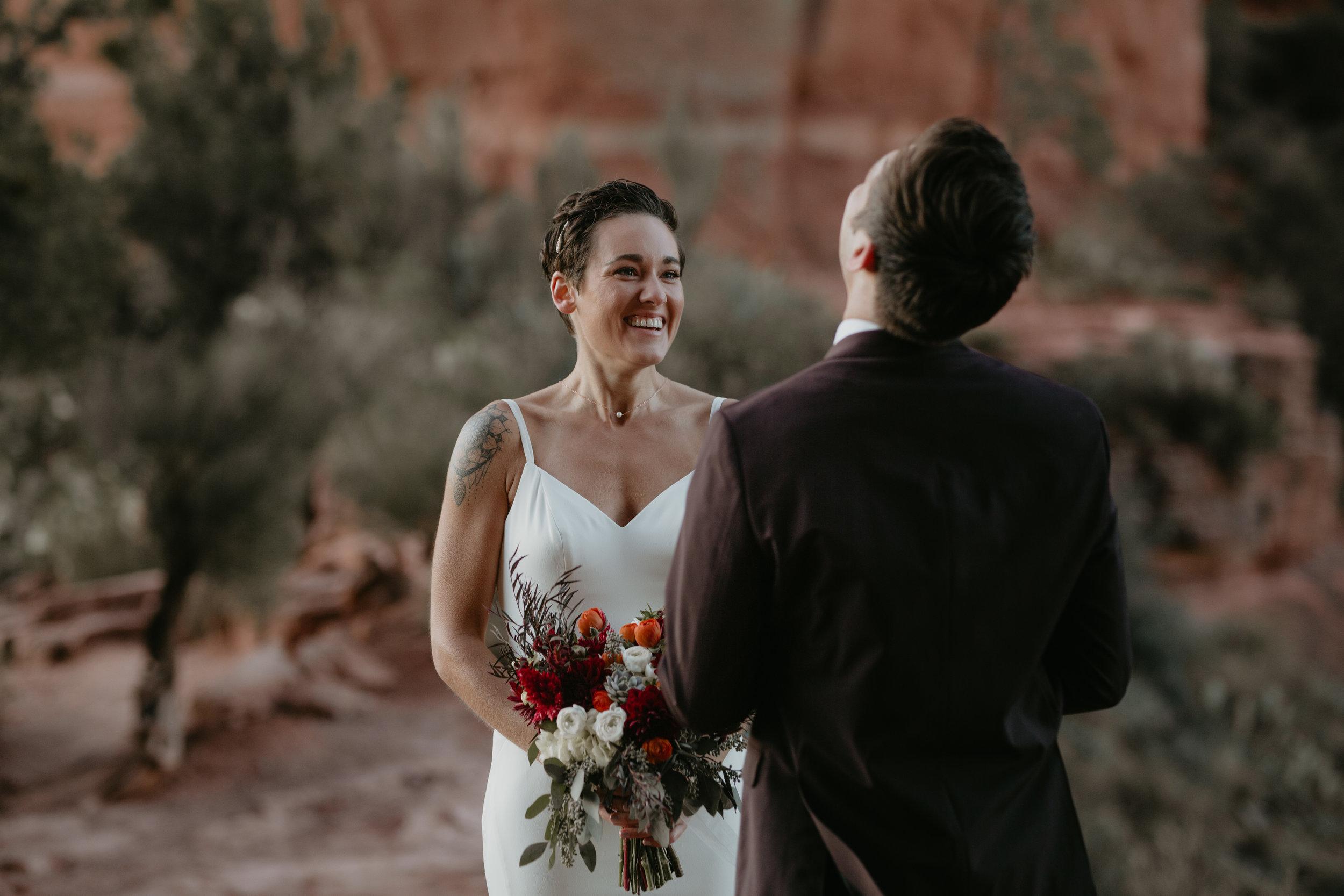 nicole-daacke-photography-sedona-arizona-destination-elopement-wedding-photographer-catherdral-rock-hiking-elopement-sedona-river-elopement-photos-desert-rock-wedding-photographer-laid-back-spontaneous-elopement-33.jpg