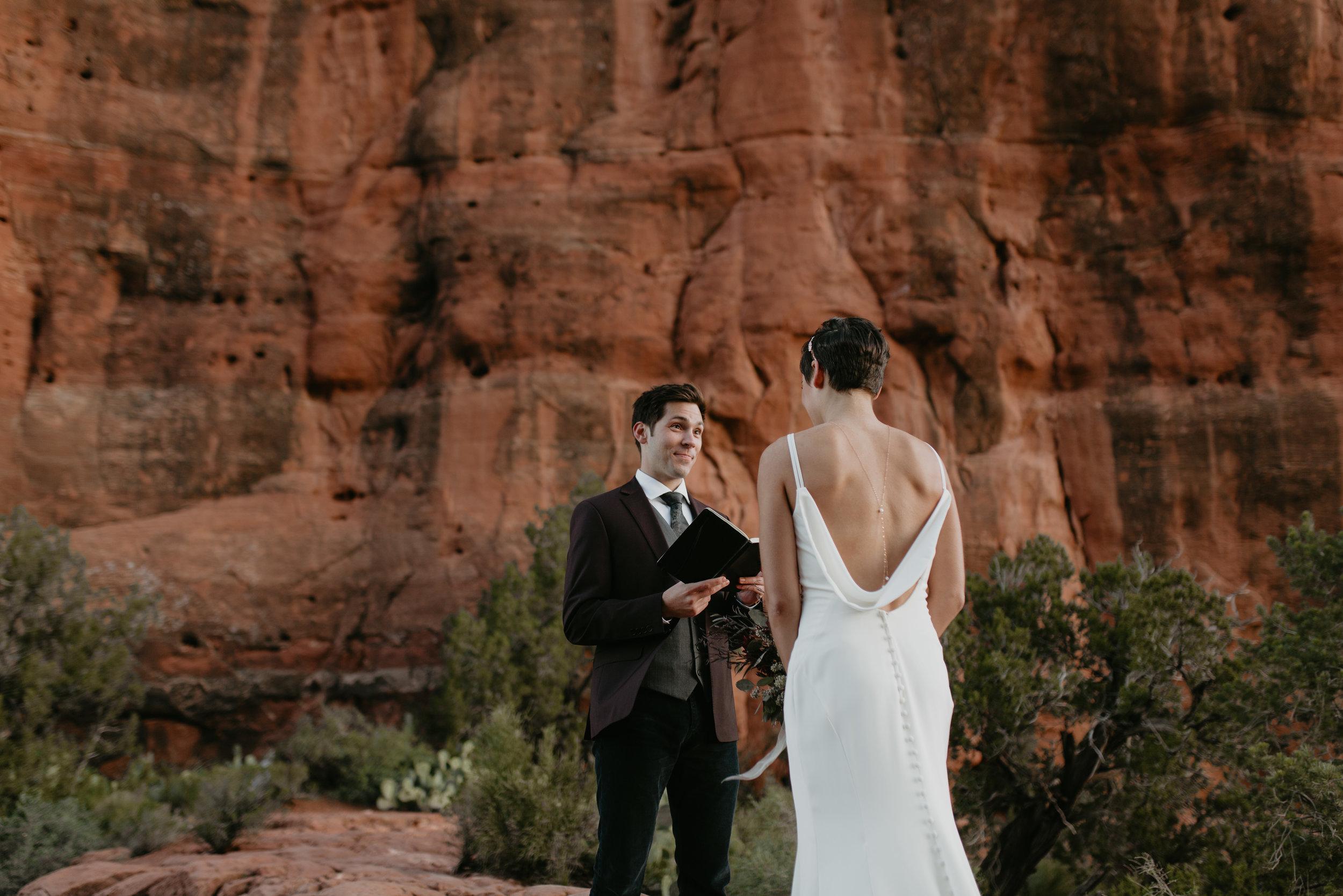 nicole-daacke-photography-sedona-arizona-destination-elopement-wedding-photographer-catherdral-rock-hiking-elopement-sedona-river-elopement-photos-desert-rock-wedding-photographer-laid-back-spontaneous-elopement-37.jpg