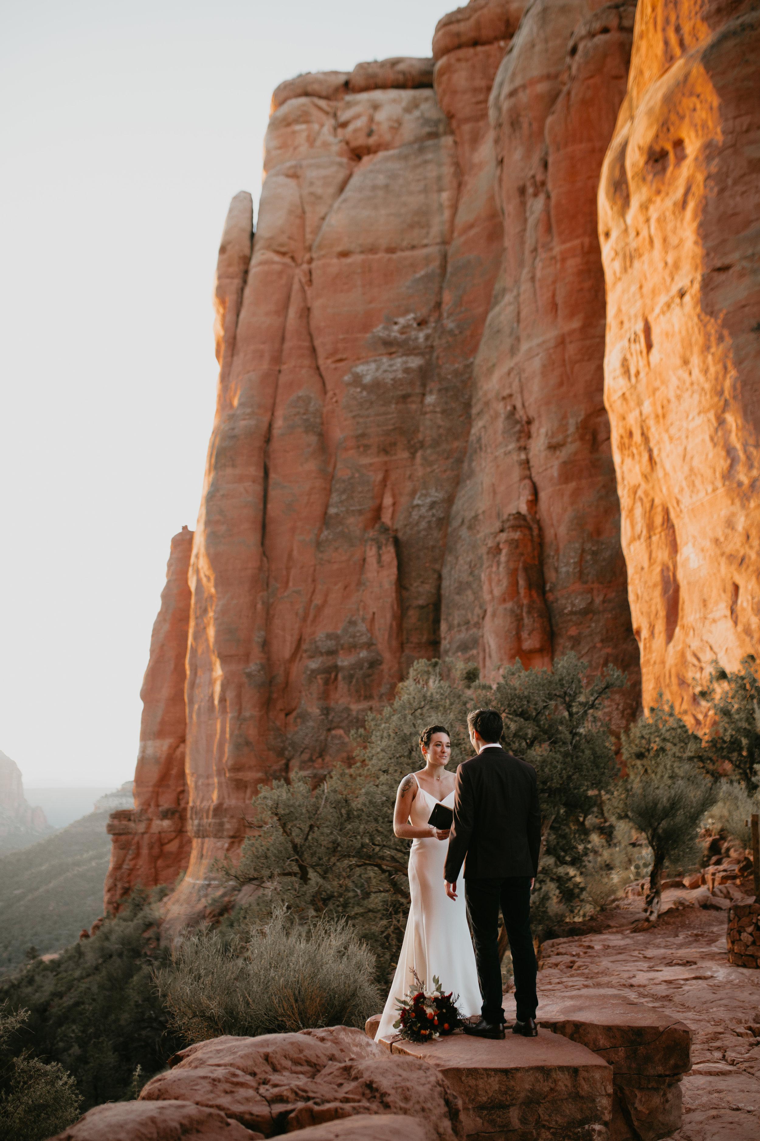 nicole-daacke-photography-sedona-arizona-destination-elopement-wedding-photographer-catherdral-rock-hiking-elopement-sedona-river-elopement-photos-desert-rock-wedding-photographer-laid-back-spontaneous-elopement-40.jpg